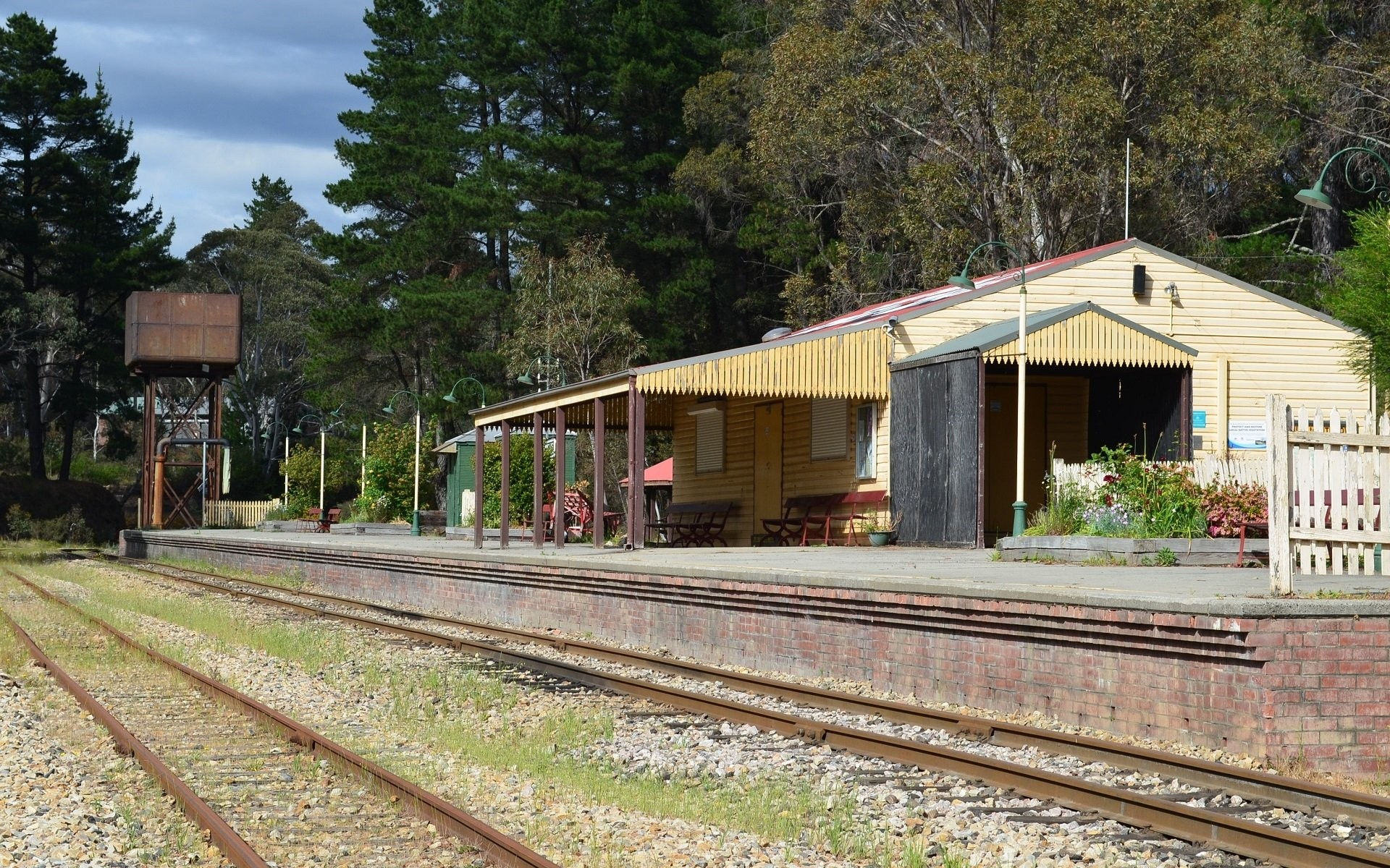 1920x1200 Man Made - Clarence Railway Station Building Railroad Station Lithgow  Wallpaper