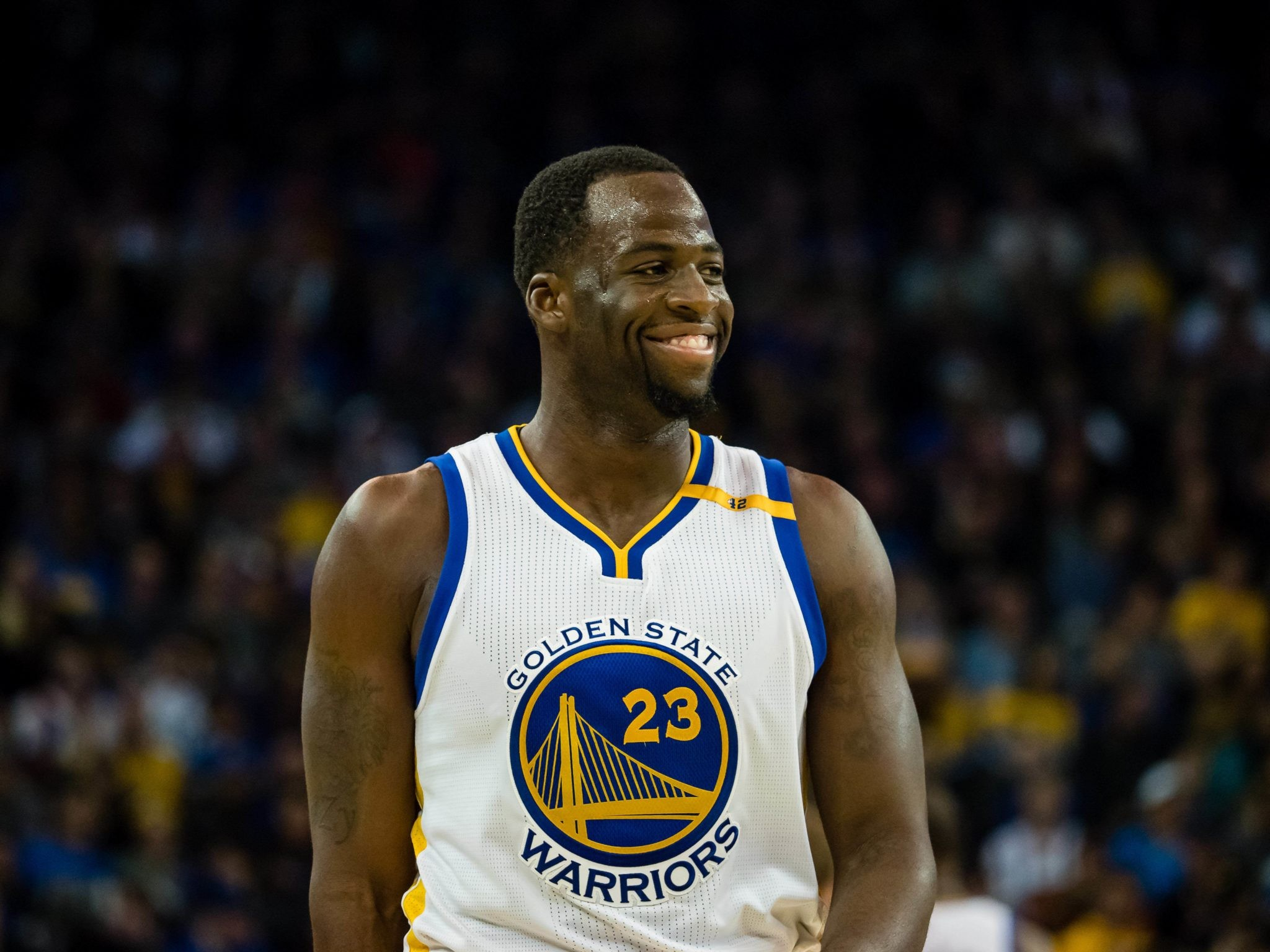 2048x1536 Apr 10, 2017; Oakland, CA, USA; Golden State Warriors forward Draymond