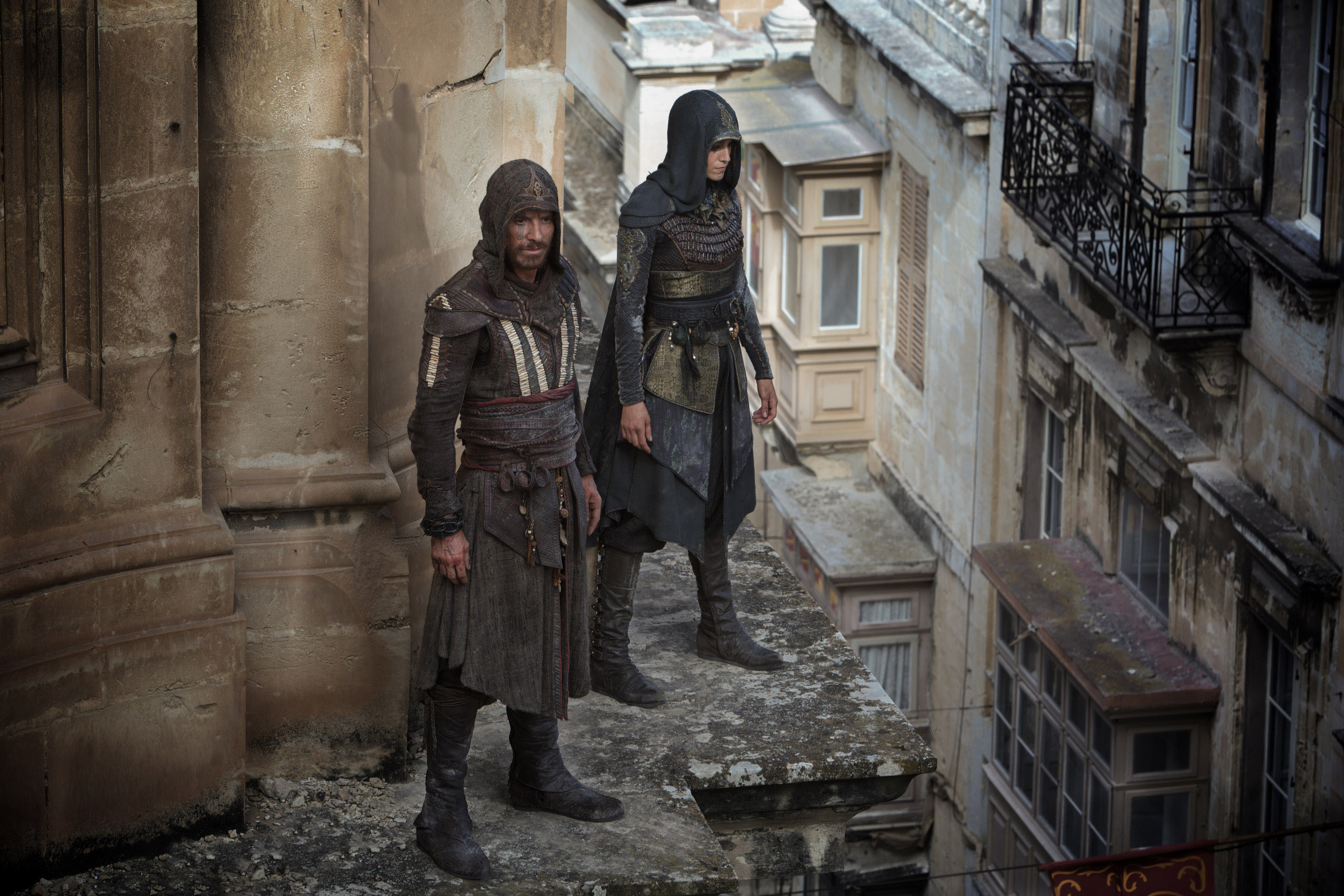 3075x2050 Michael Fassbender and Ariane Labed in Assassin's Creed (2016)
