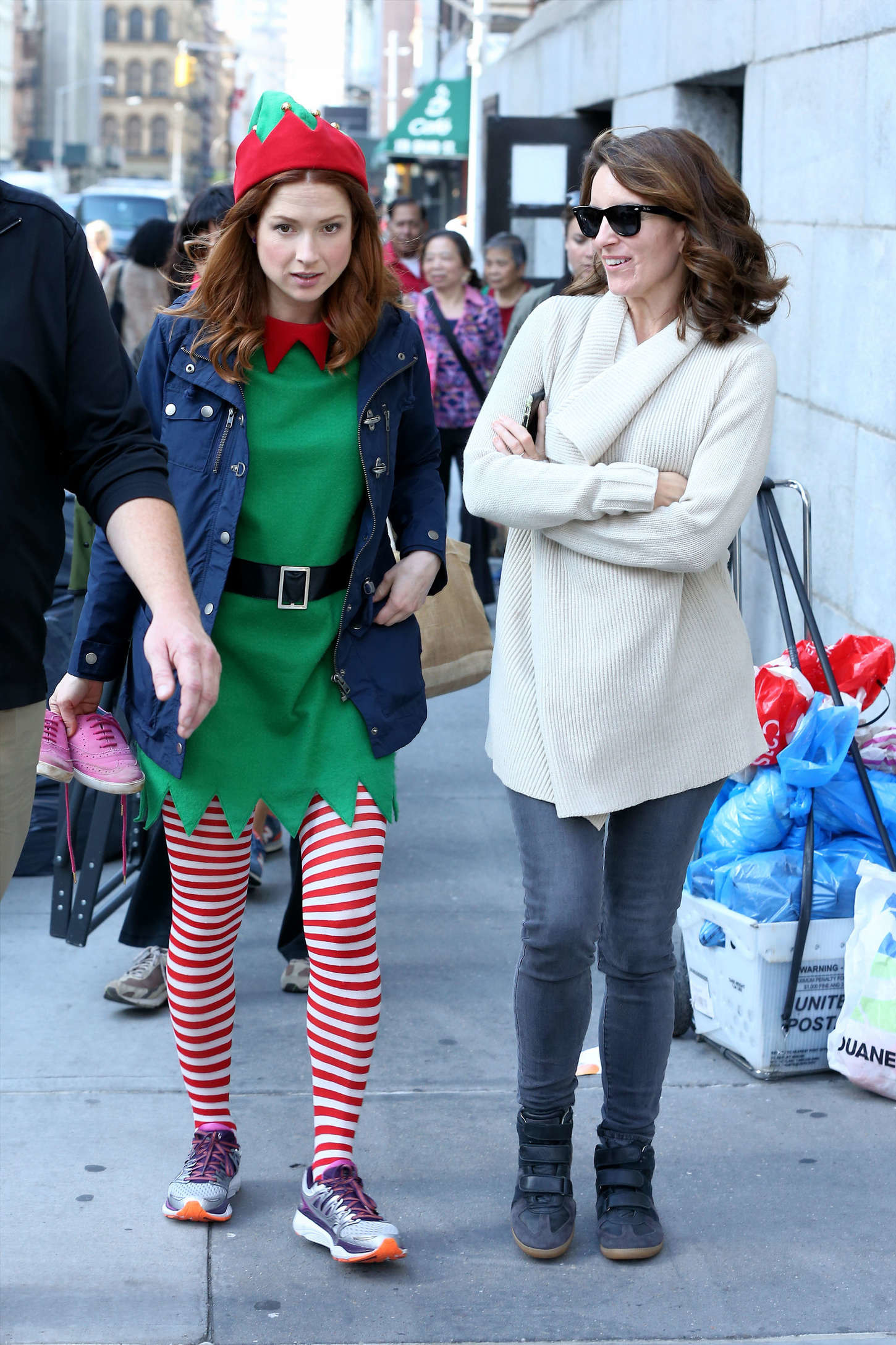 1450x2175 Ellie Kemper and Tina Fey on Unbreakable Kimmy Schmidt set -14 - Full Size