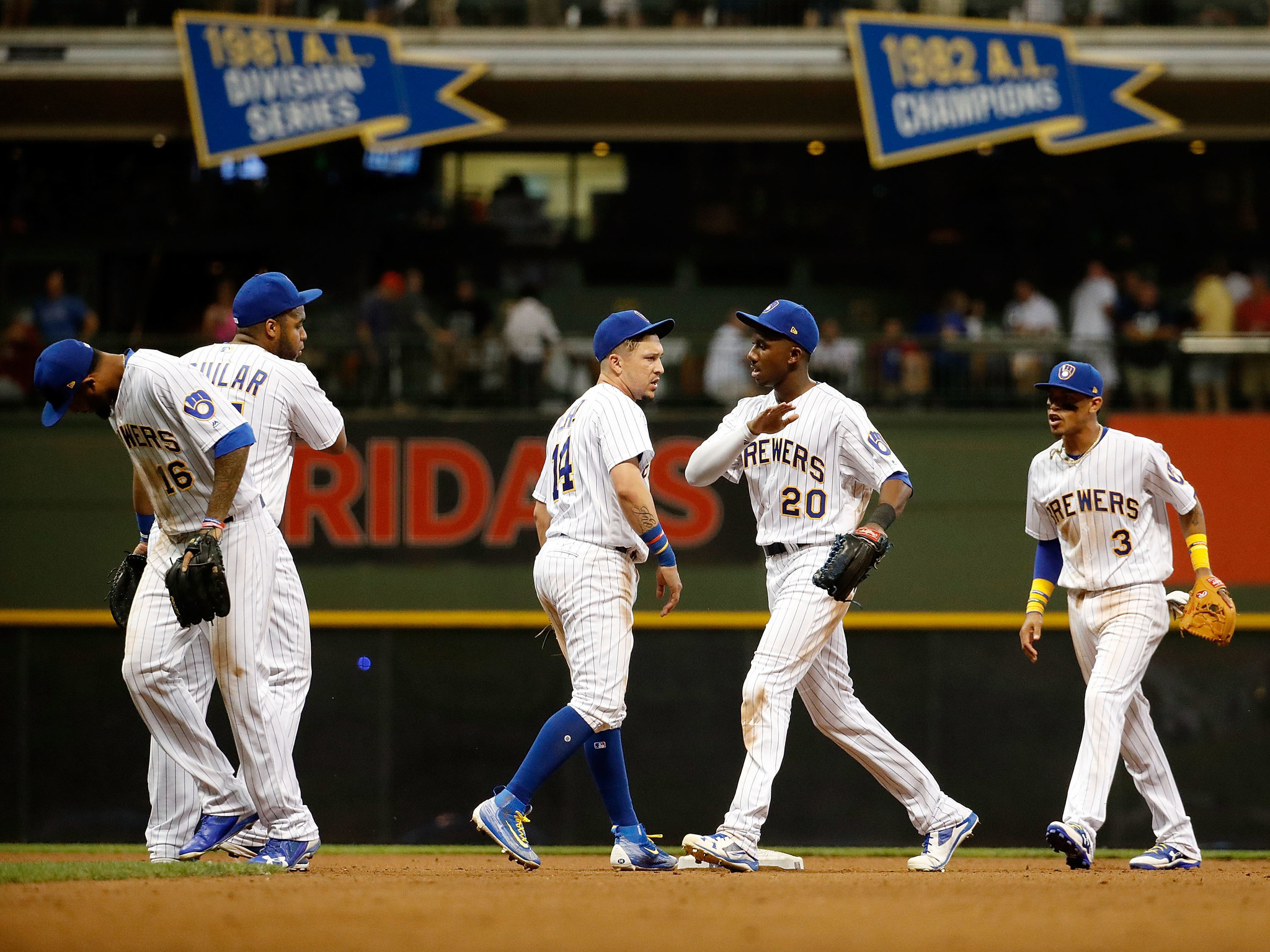 2048x1536 Brewers merely a pesky pest to be swept aside during Cubs' return to  playoffs - Chicago Tribune