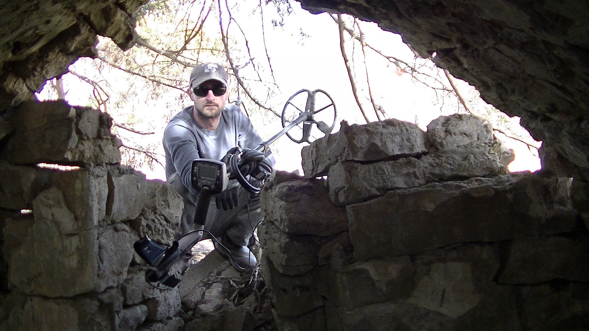 1920x1080 Abandoned Outlaw Hideout & Ghost Town Silver Metal Detecting