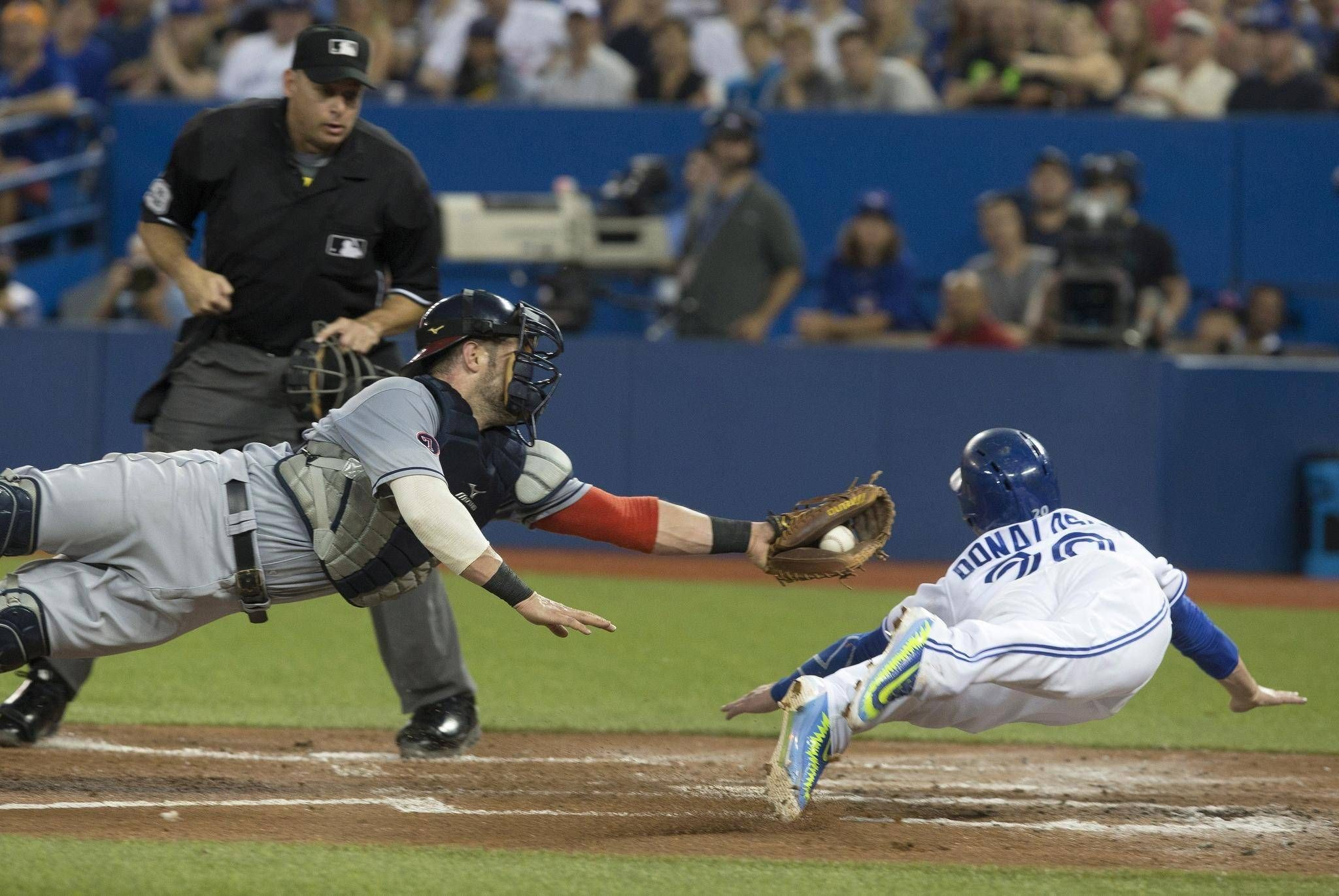 2048x1371 'He's a madman': Blue Jays manager couldn't believe Donaldson's daring  headfirst dive home