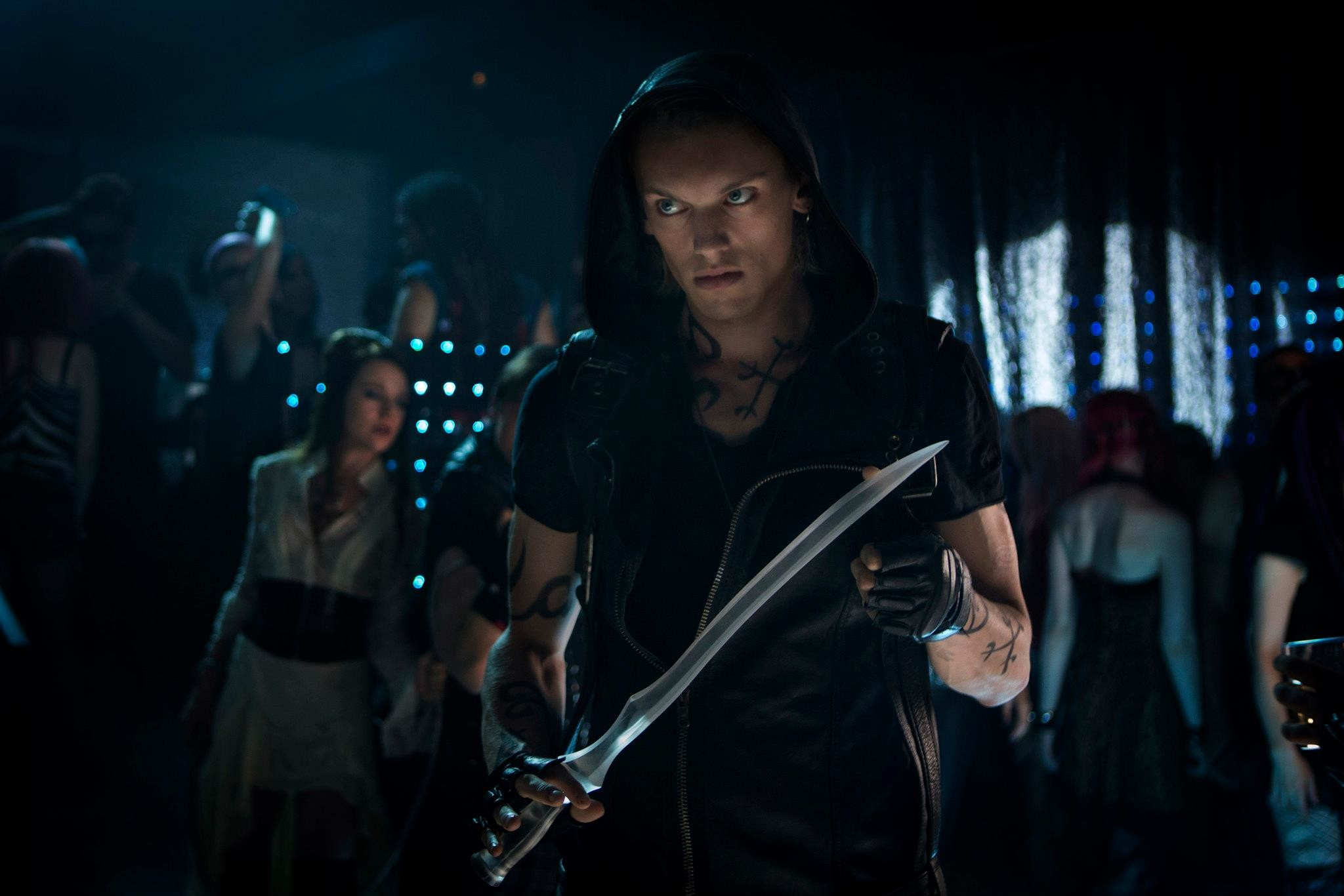 2048x1366 the-mortal-instruments-city-of-bones-jamie-campbell-