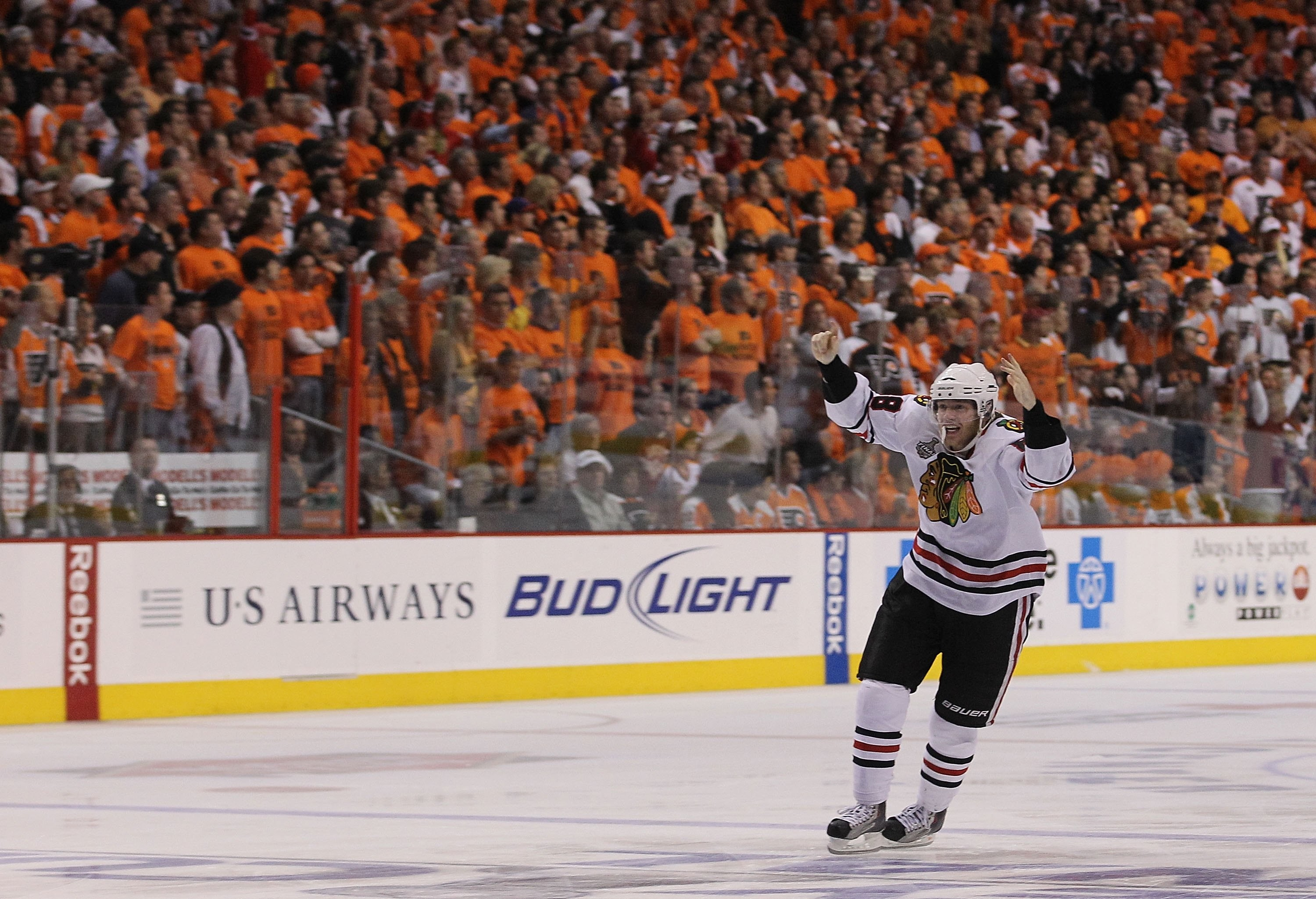 3000x2050 Stanley Cup Finals - Chicago Blackhawks v Philadelphia Flyers - Game Six