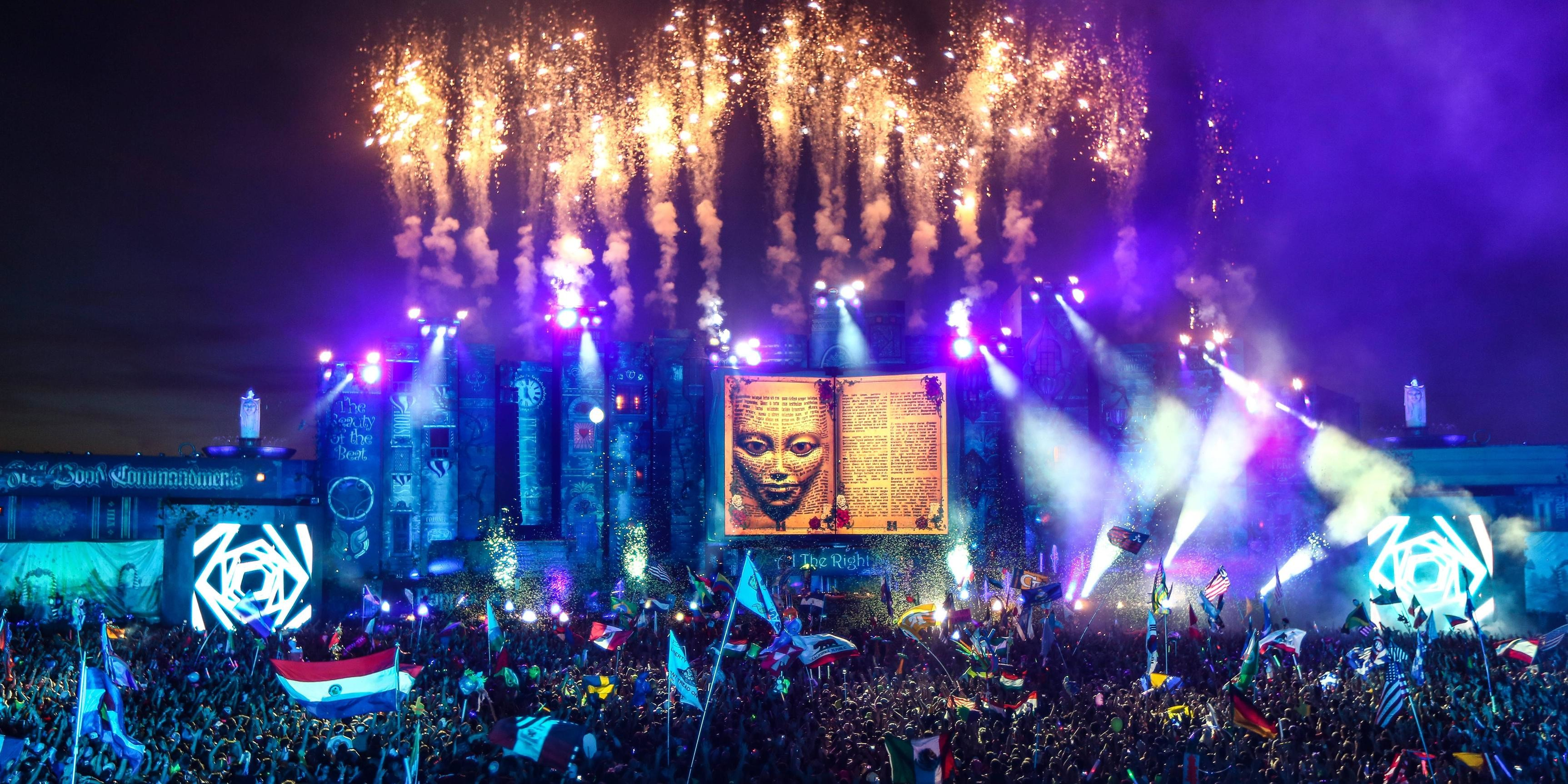 Tomorrowland 2018 Laser Show Hd Wallpaper 72 Images