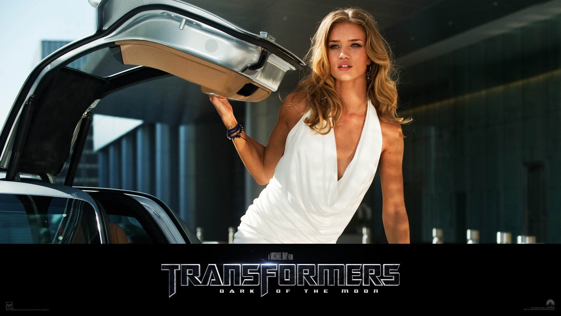 1920x1080 Rosie Huntington Whiteley in Transformers 3 Wallpapers