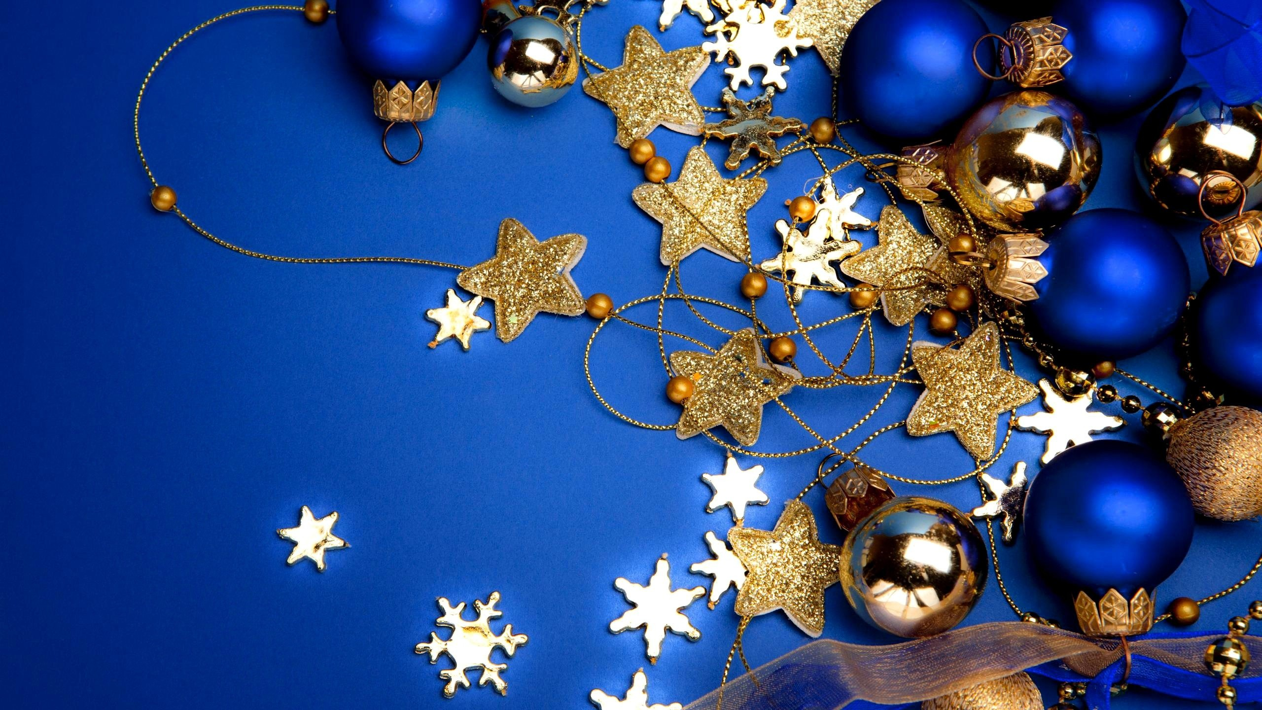 2560x1440 Blue Christmas Wallpaper HD | PixelsTalk.Net
