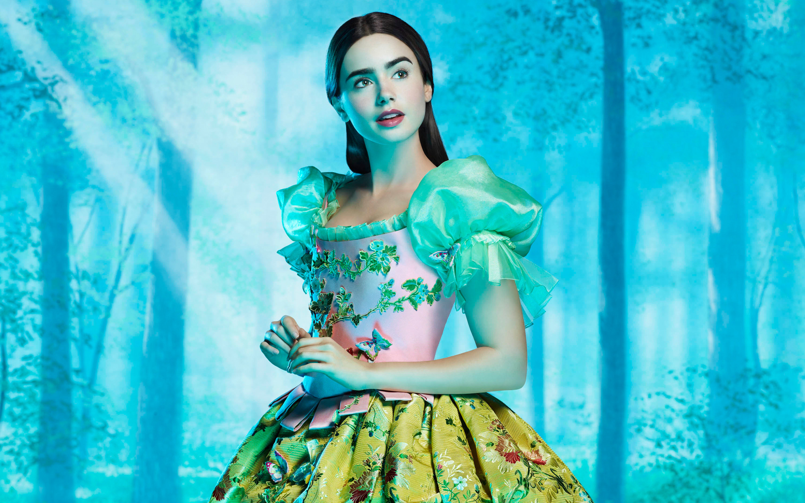 2560x1600 Lily Collins as Snow White