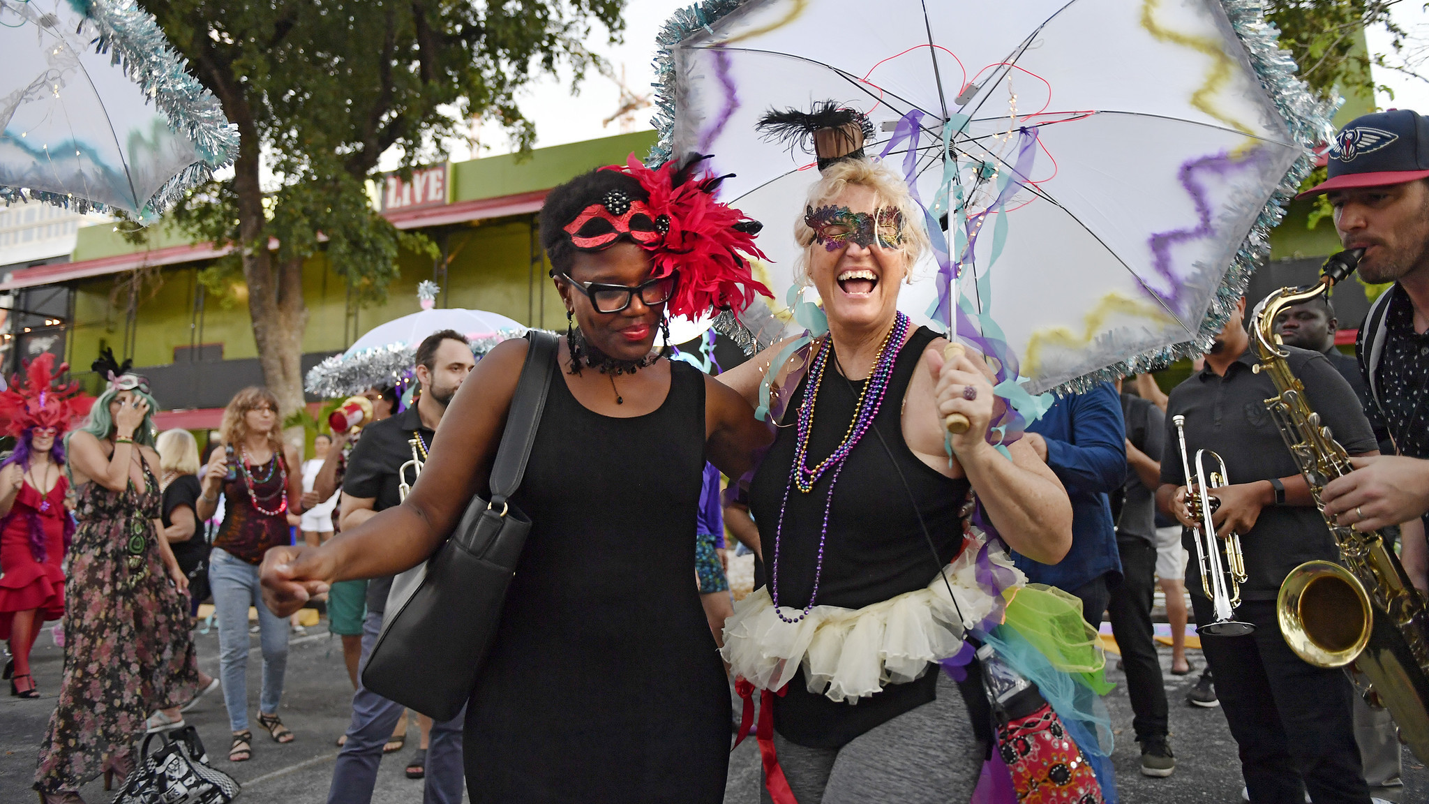 2048x1152 Puppets on parade at Fort Mardi Gras festival in Fort Lauderdale | Photos -  Sun Sentinel