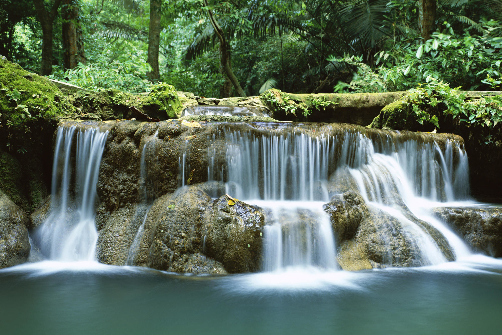 2000x1333 from moving waterfall wallpaper wallpaper moving waterfall wallpaper .