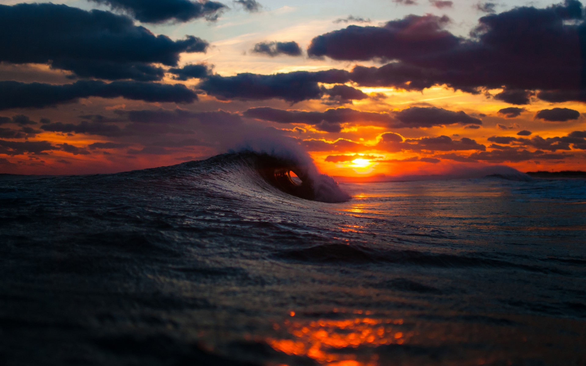1920x1200 Ocean sea waves sunset sunrise sky clouds spray splash drops wallpaper |   | 32253 | WallpaperUP