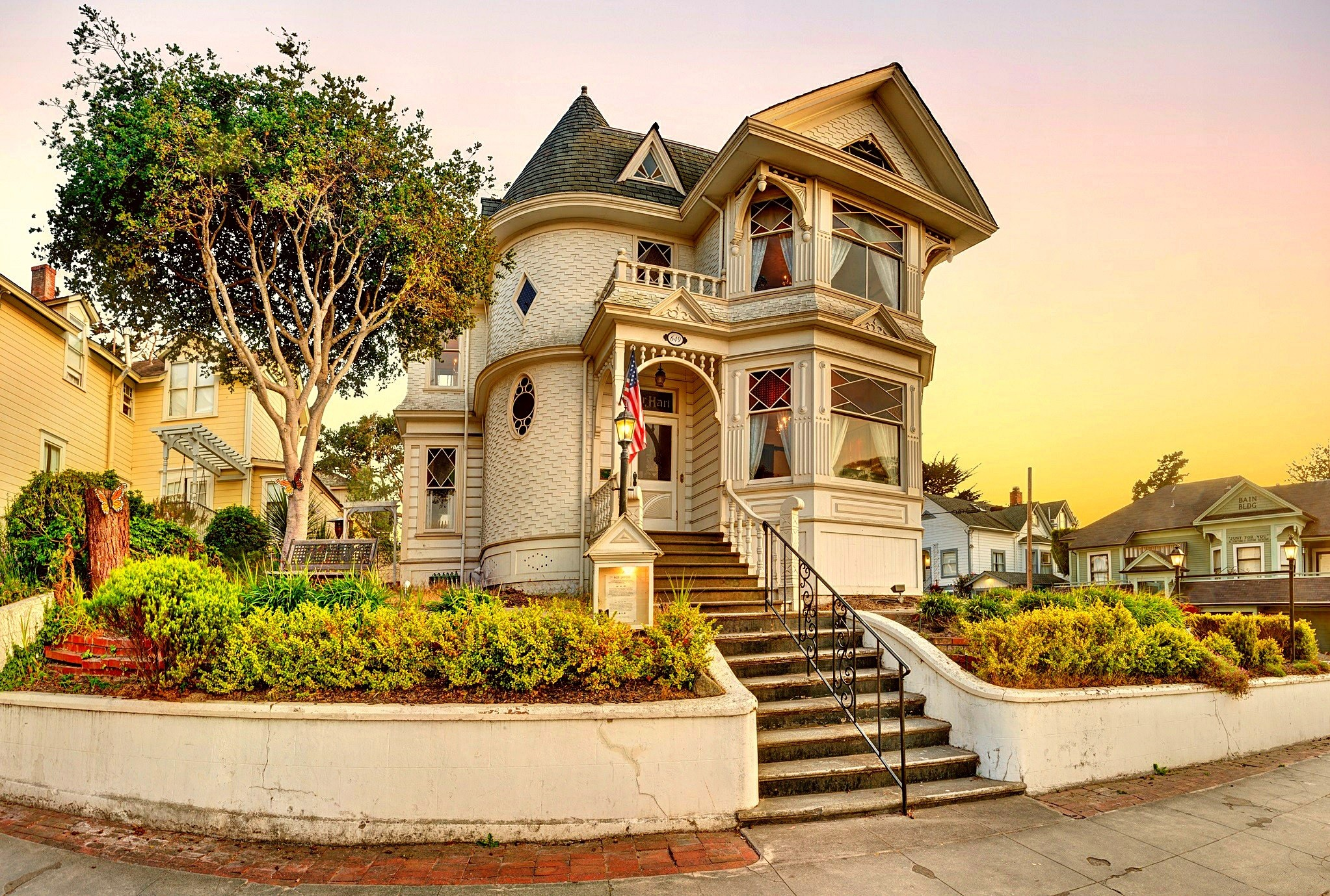 2045x1379 beautiful victorian house desktop background