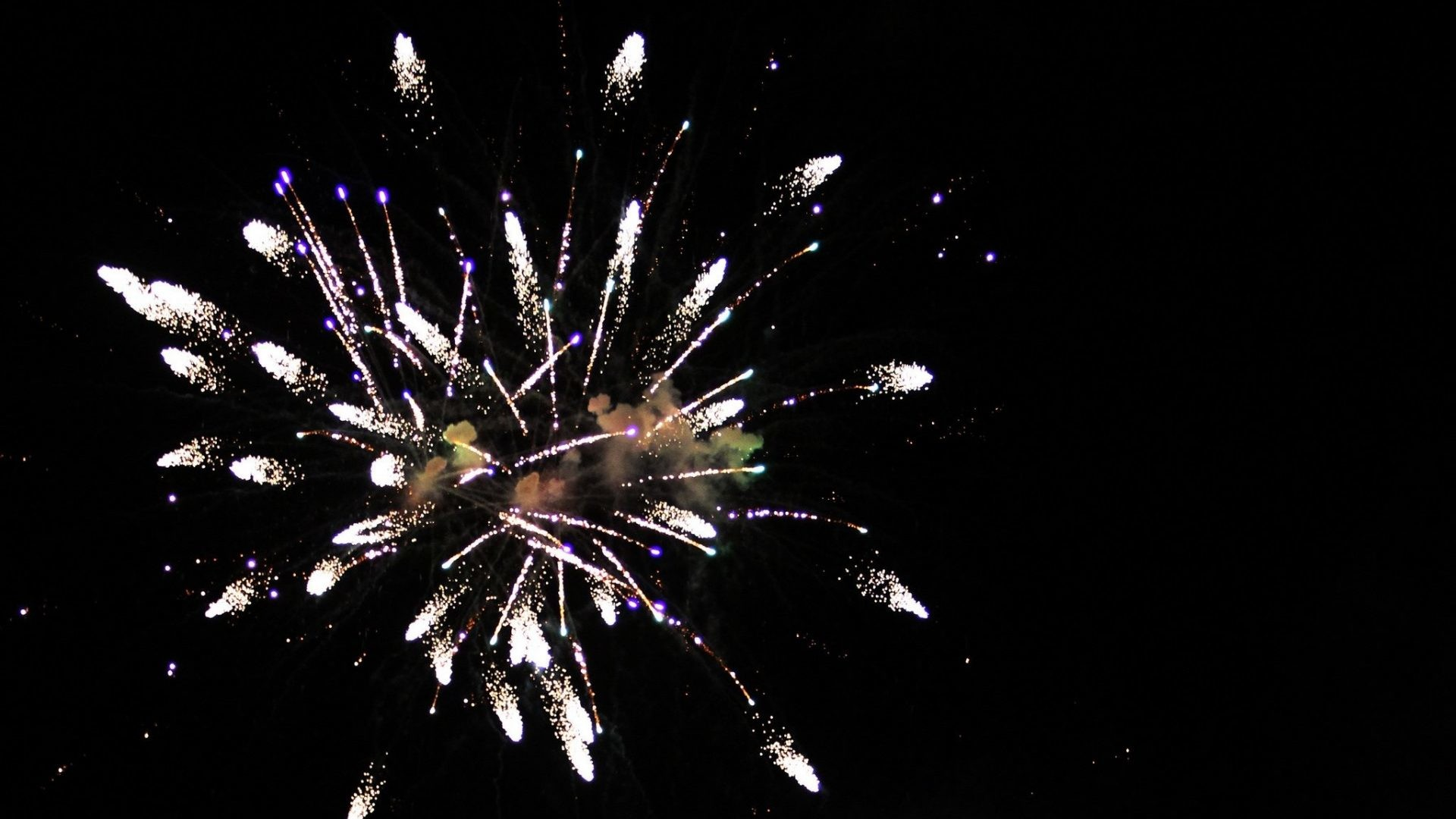 Firework wallpapers screensavers 55 images - Fourth of july live wallpaper ...