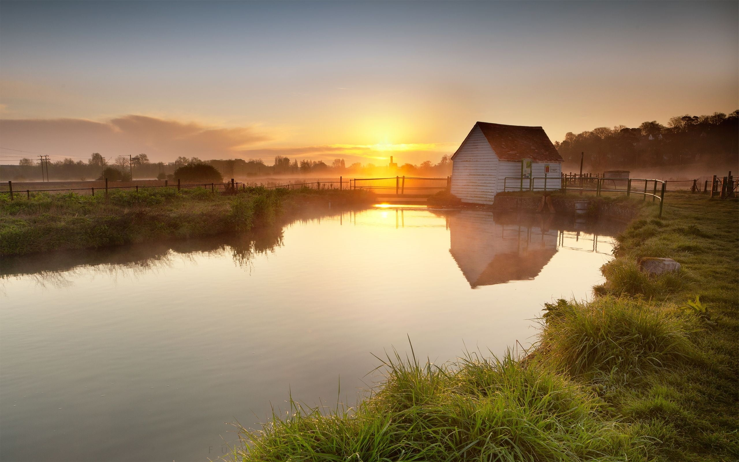 2560x1600 white and red barn near river at golden hour HD wallpaper