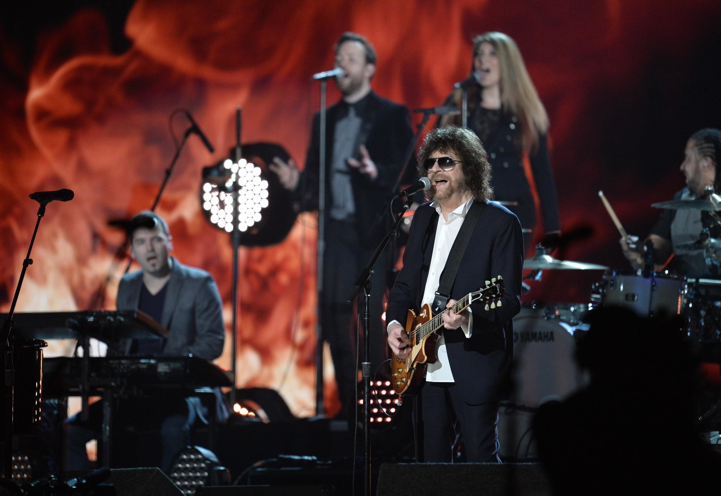 2500x1722 Glastonbury 2016: Jeff Lynne's ELO will play the Sunday 'legends' slot |  The Independent