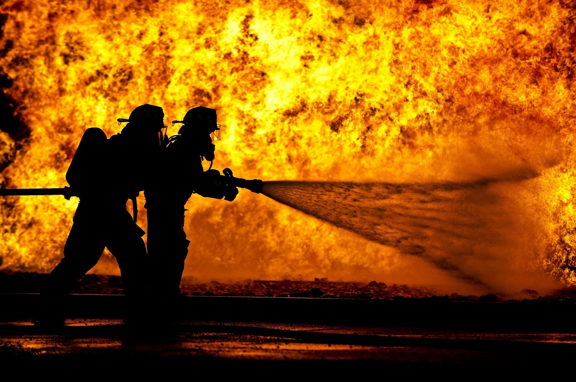 1920x1276 Firefighter Live Wallpaper Download 2600x1730