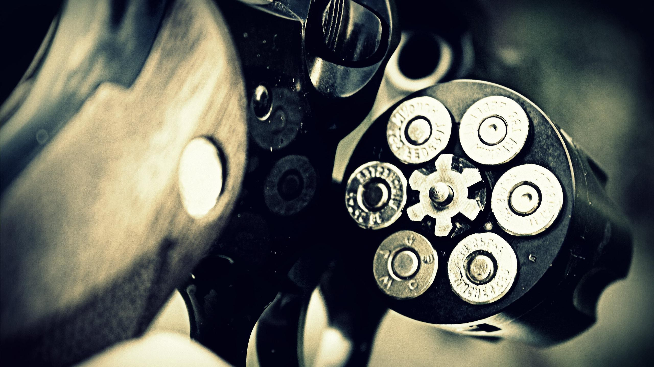 2560x1440 Revolver HD Wallpapers Desktop Computer