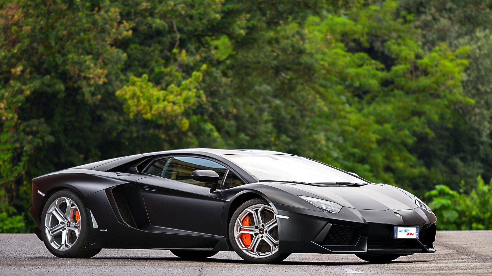 1920x1080 Fresh HD Wallpapers with cool shots of Lamborghini