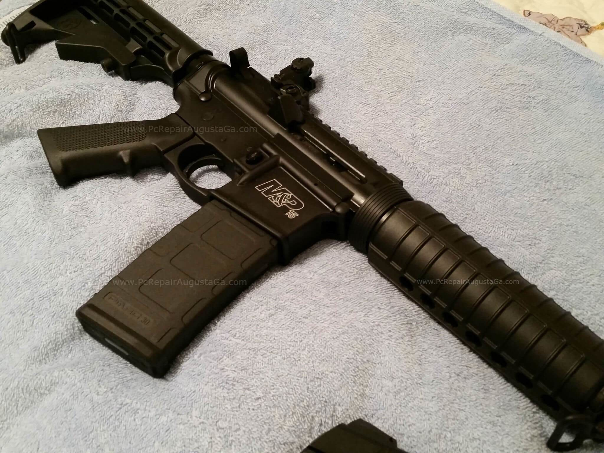 2048x1536 Smith & Wesson M&P15 Sport Model# 811036
