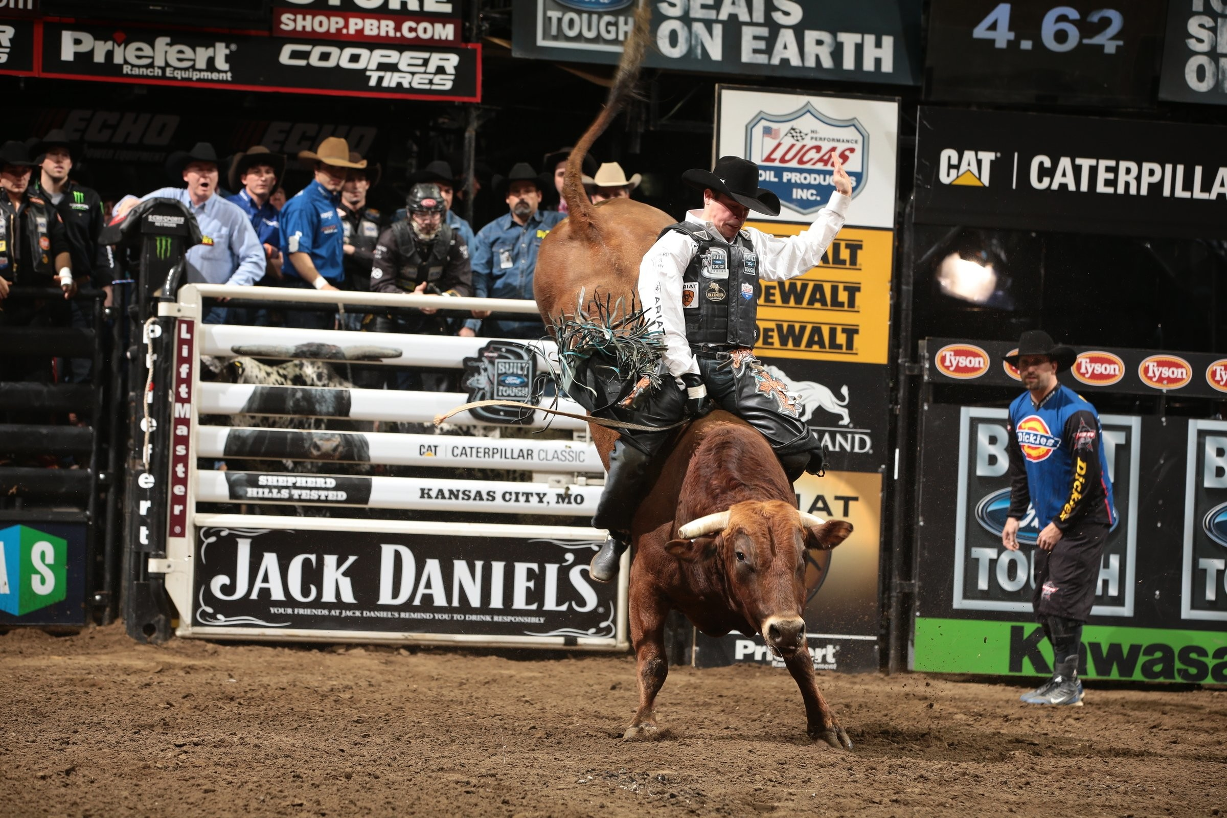 2400x1600 BULL RIDING bullrider cowboy western cow extreme rodeo d wallpaper |   | 823819 | WallpaperUP