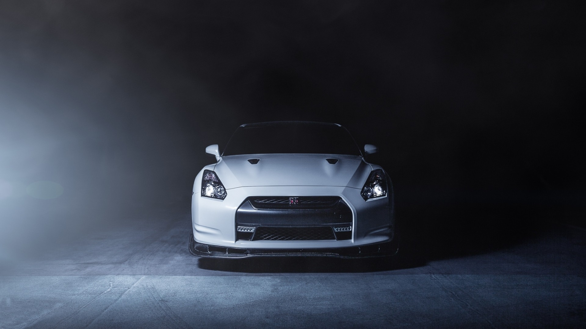 1920x1080 Preview wallpaper nissan, gt-r, r35, white, front, smoke