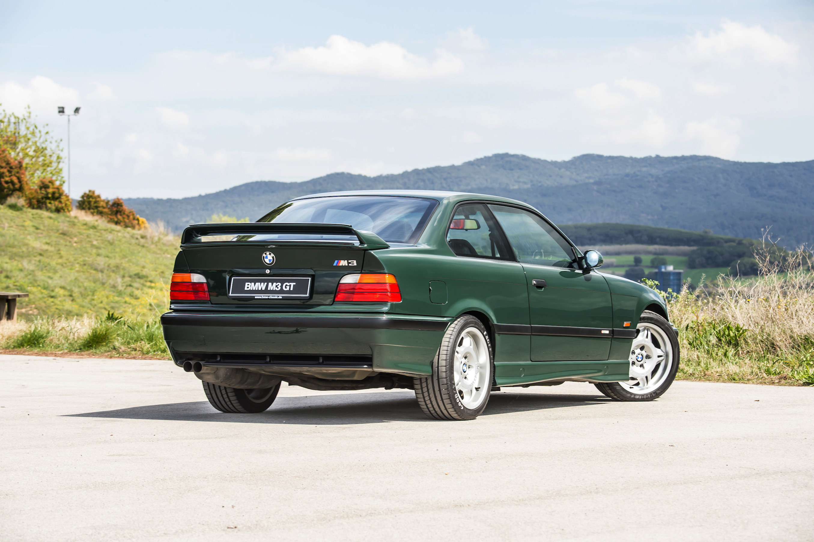2710x1804 BMW E36 M3 GT british racing green