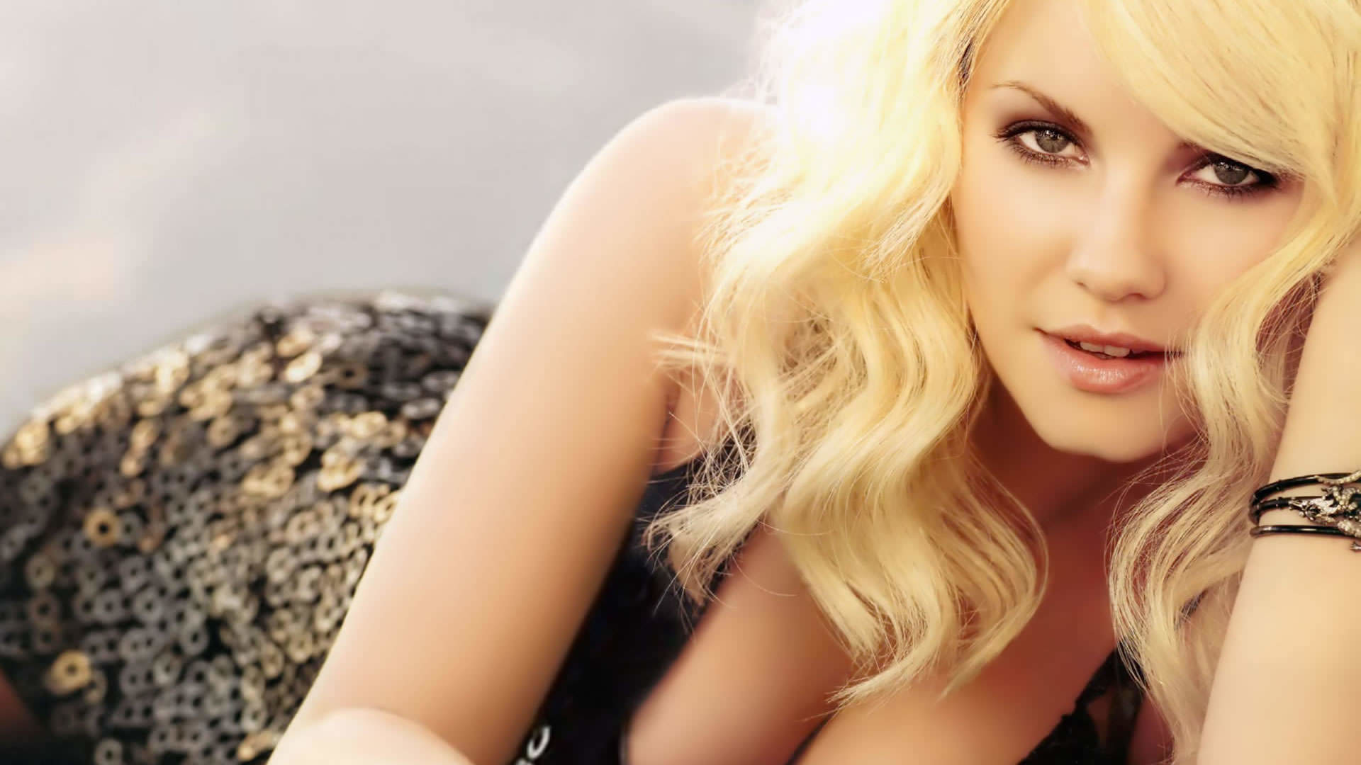 Sexy Hollywood Female Celebrities Babes Desktop Wallpapers