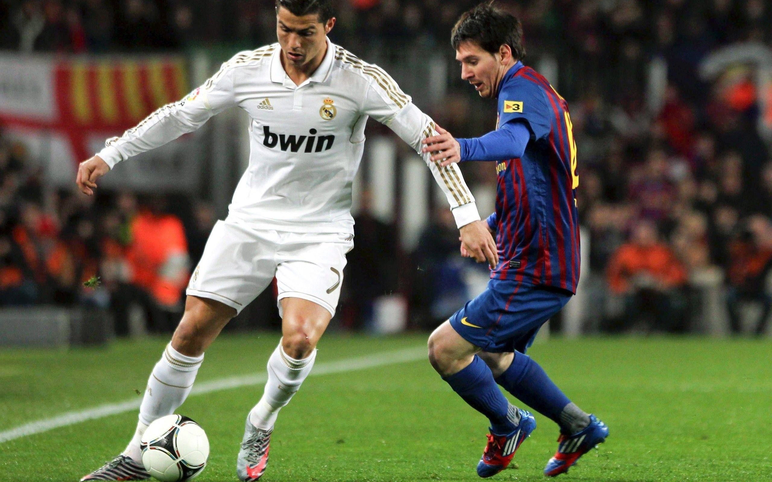 2560x1600 Lionel Messi vs Cristiano Ronaldo Wallpapers HD / Desktop and .