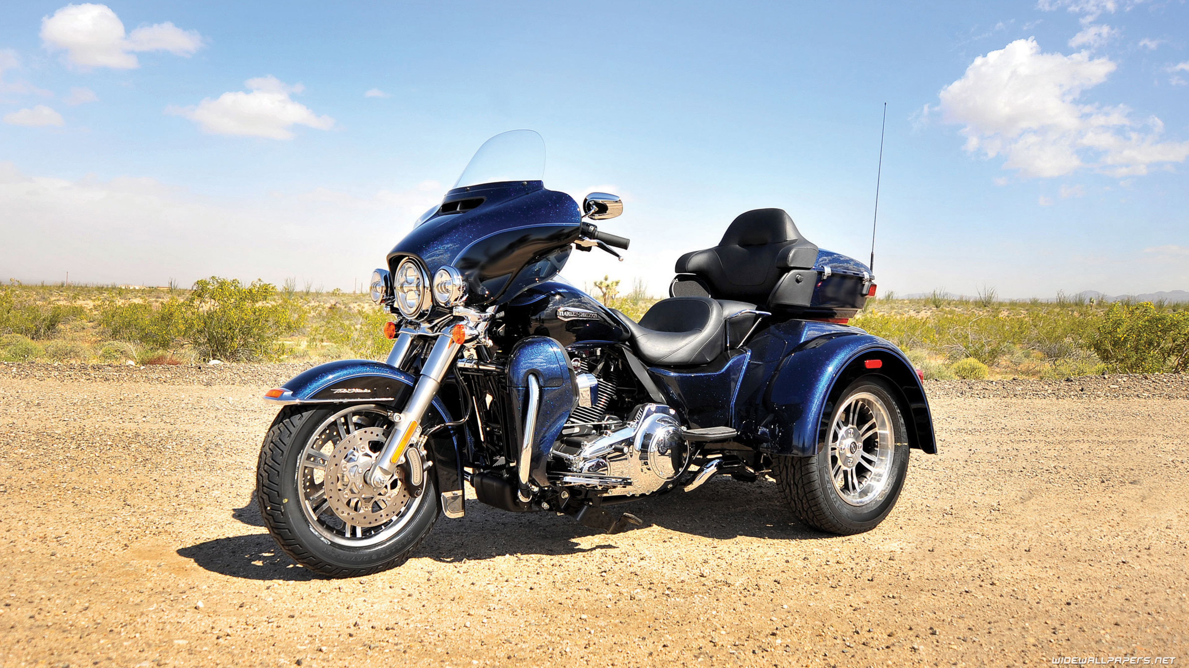 Tri Glide Wallpaper: Harley Davidson Bikes Wallpapers (76+ Images