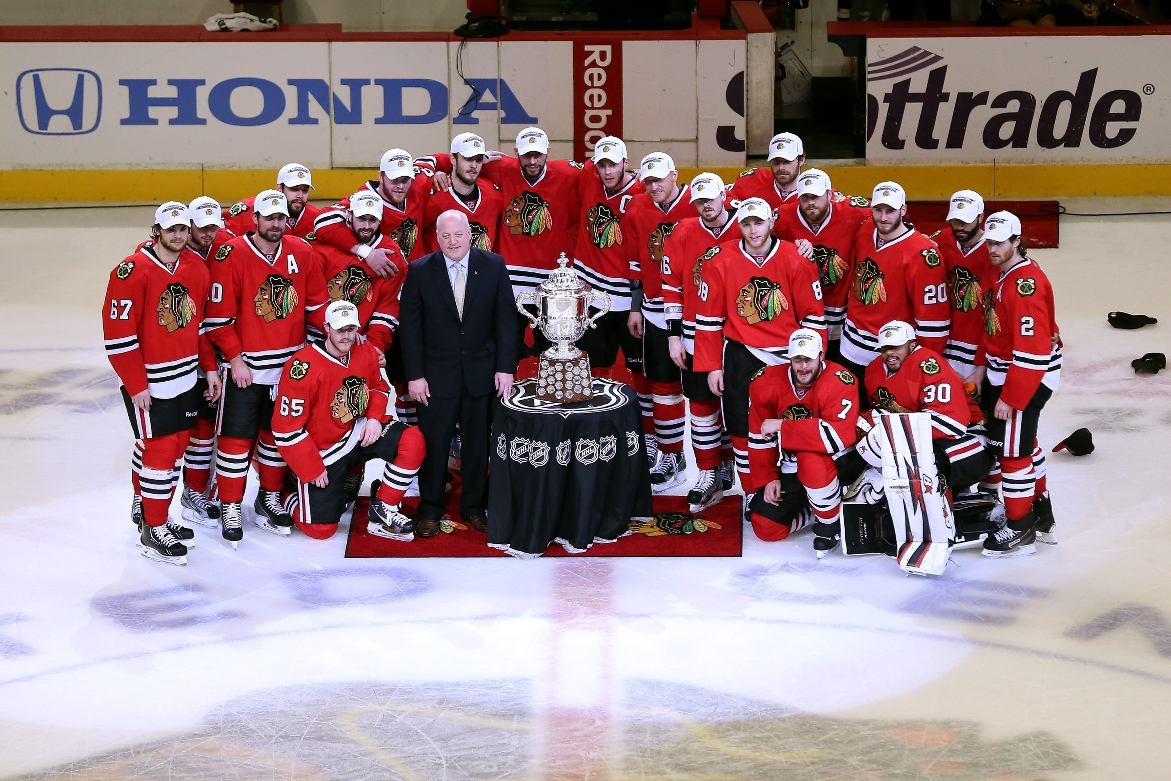 2400x1600 HD Wallpaper | Background ID:512058.  Sports Chicago Blackhawks