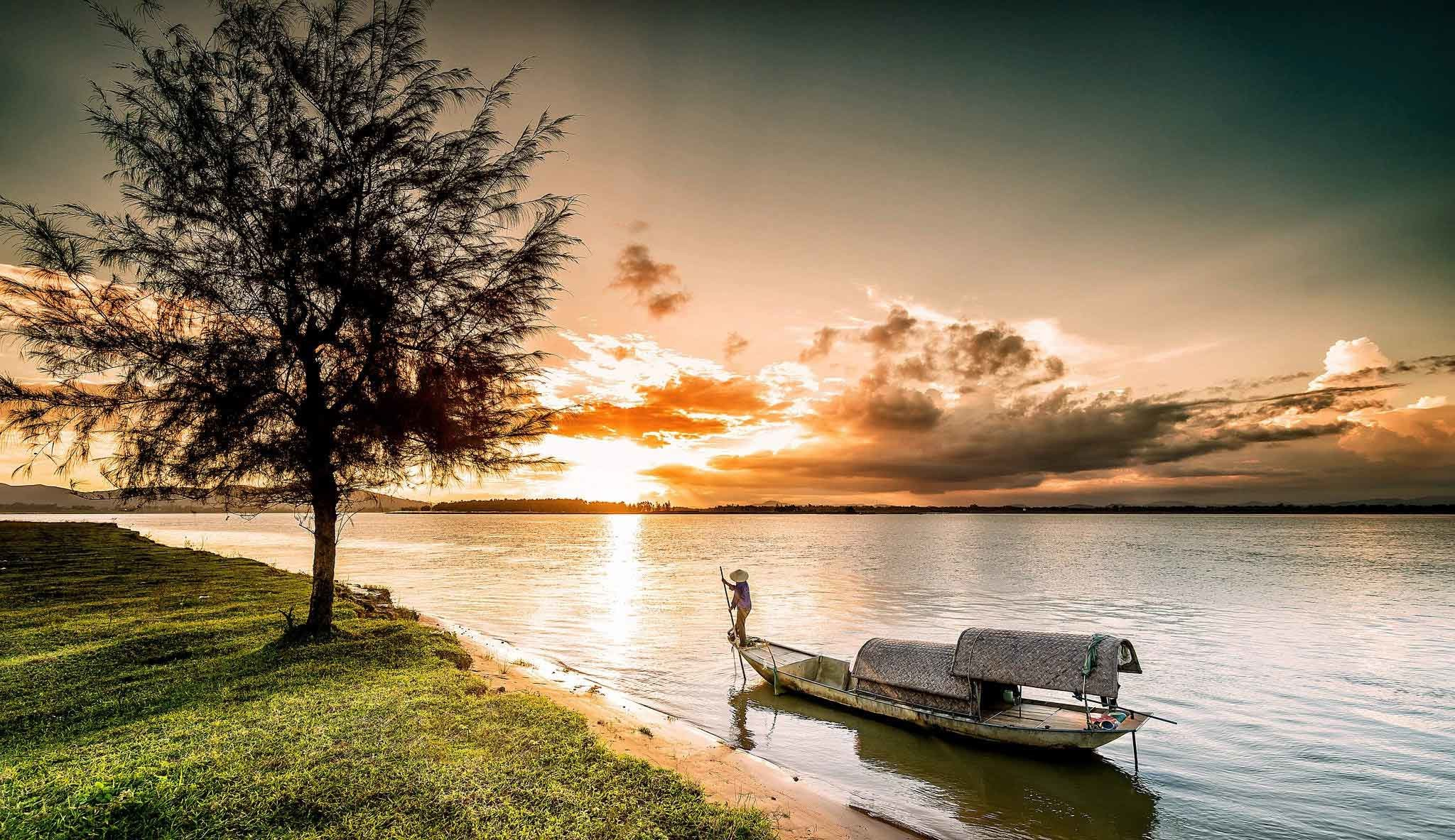 2048x1183 Sunrise Sunset Ocean Vinh Rivers Vietnam Trees Sunrises Boats Sunsets  Nature Animated Wallpapers For Mobile