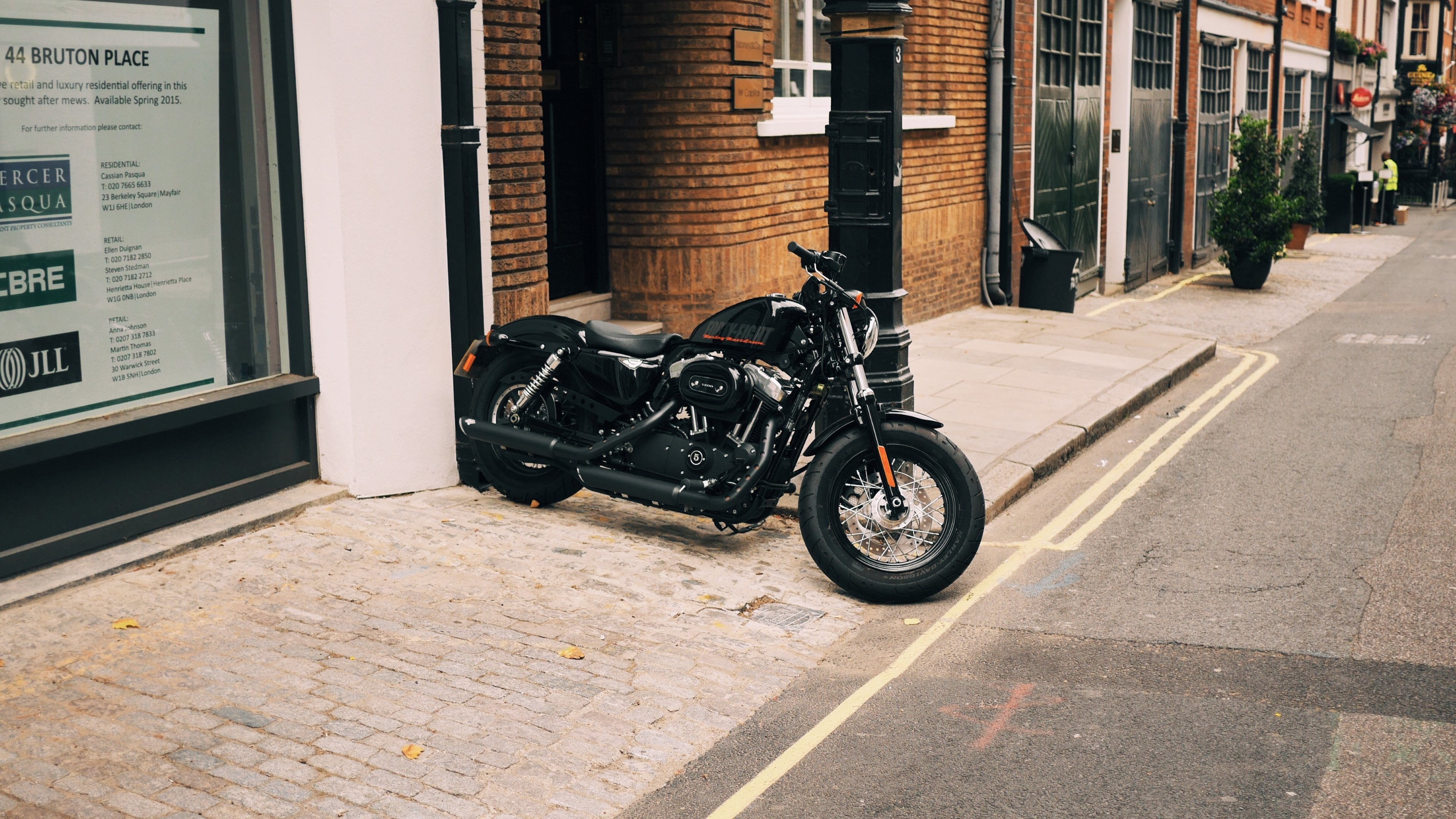 3840x2160 Description: Download Harley Davidson on London streets HD & Widescreen  Wallpaper ...
