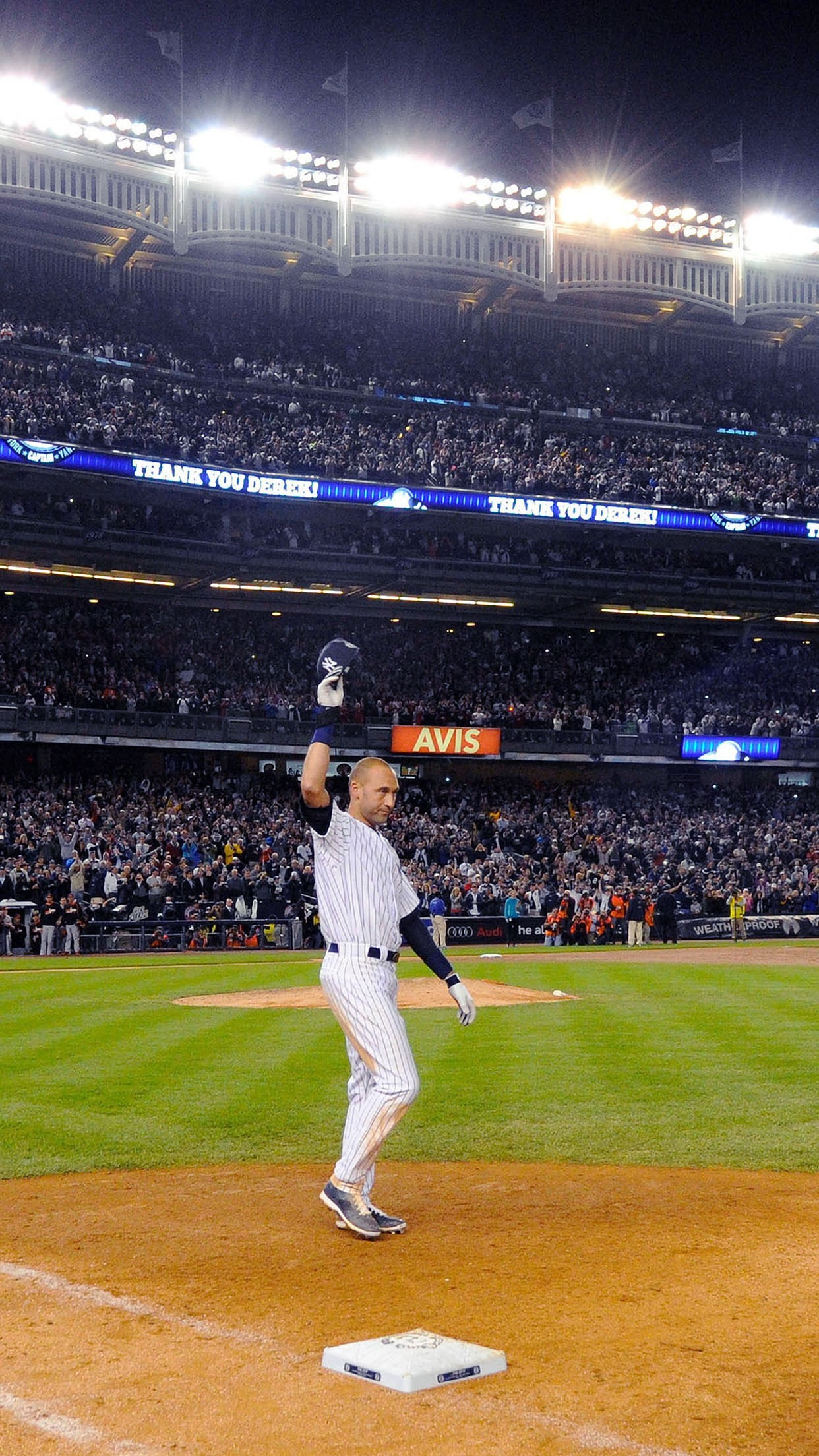 1242x2208 derek jeter walk off single new york yankees android wallpaper