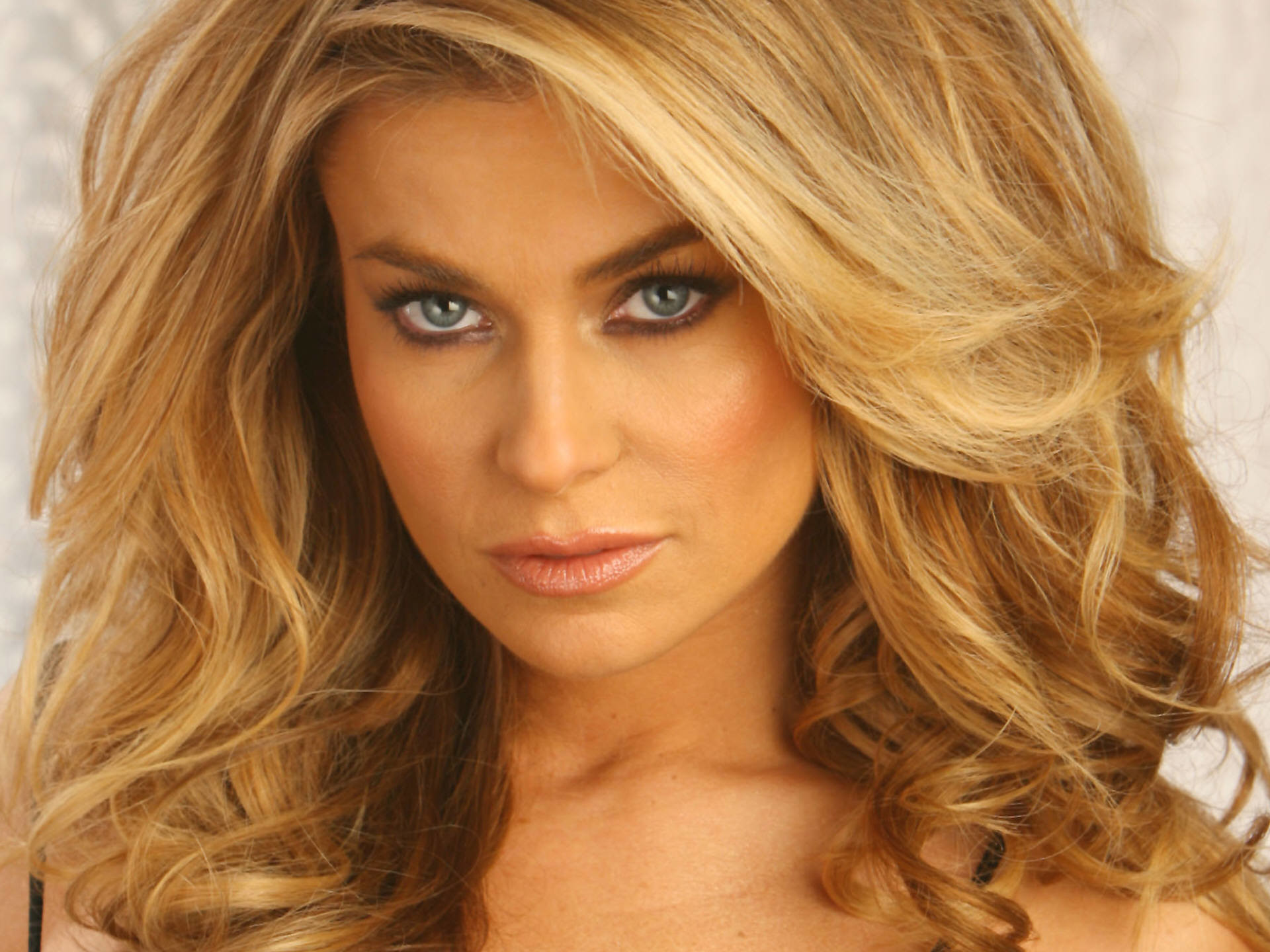 1920x1440 Get free high quality HD wallpapers carmen electra wallpaper hd