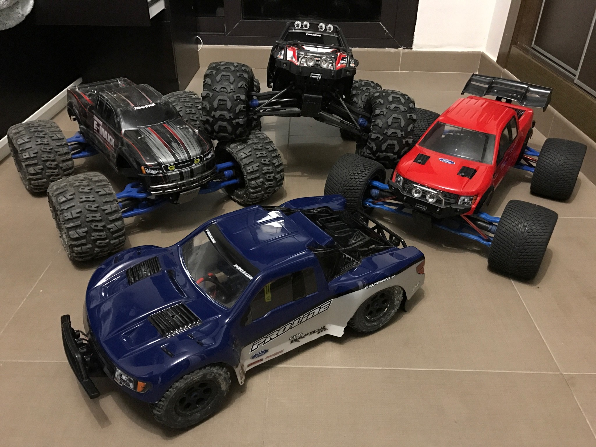 2048x1536 Traxxas E-Revo Brushless, Traxxas E-Maxx Brushless and Slash 4x4 Ultimate