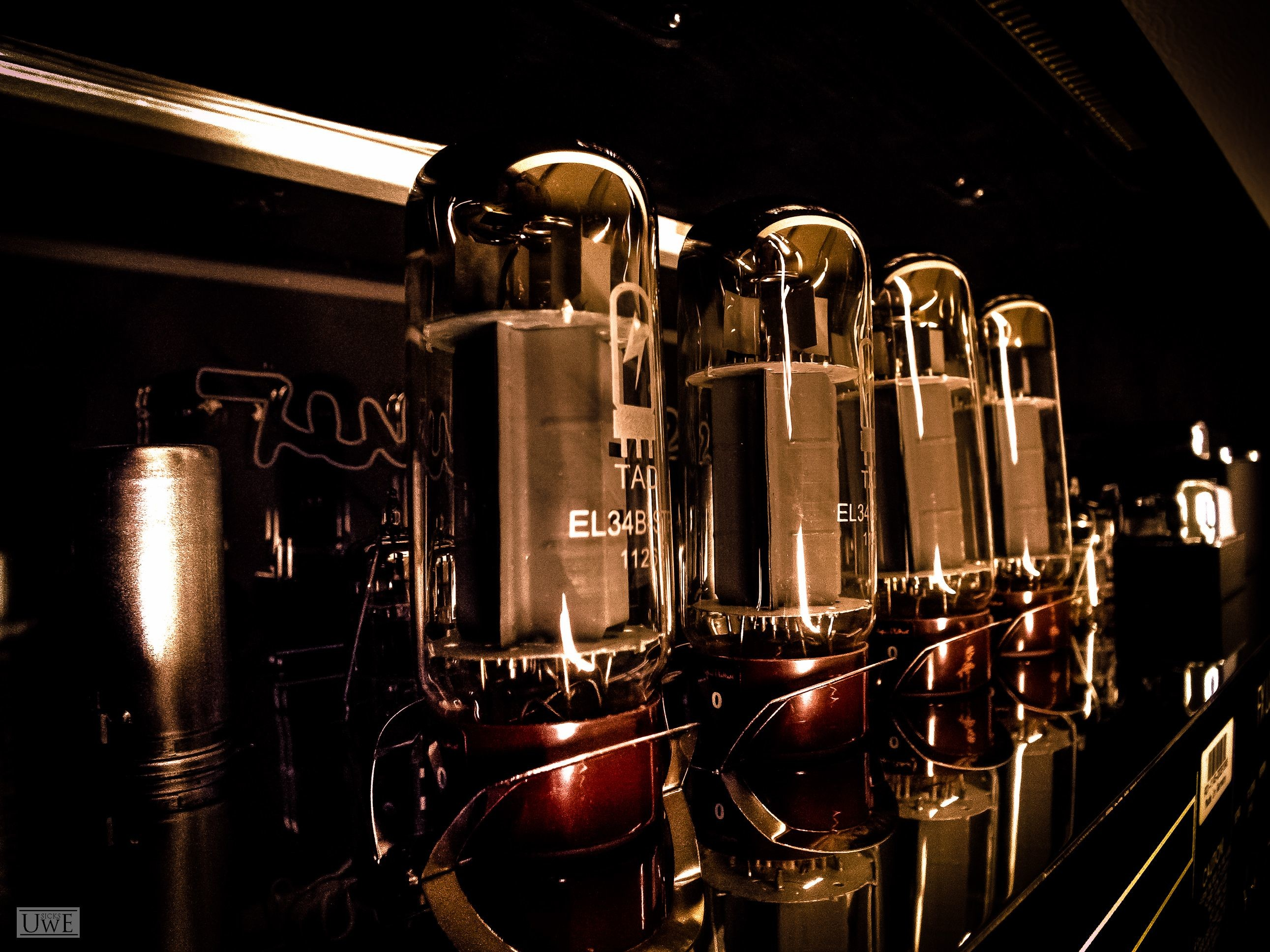 2582x1936 When could, would and should you replace tubes? - Hughes & Kettner .