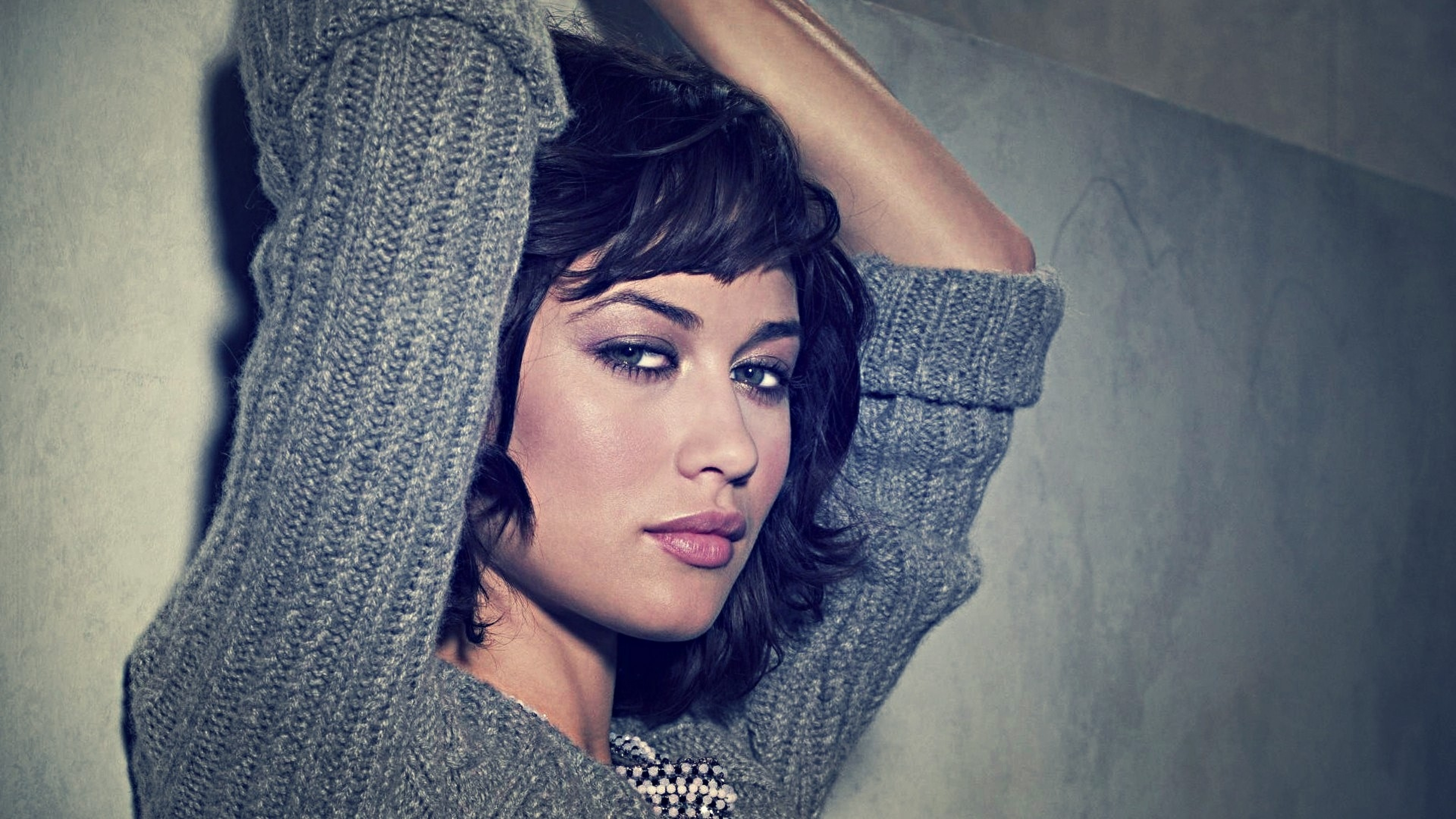 3840x2160 Preview wallpaper olga kurylenko, brunette, face, eyes, lips, hair