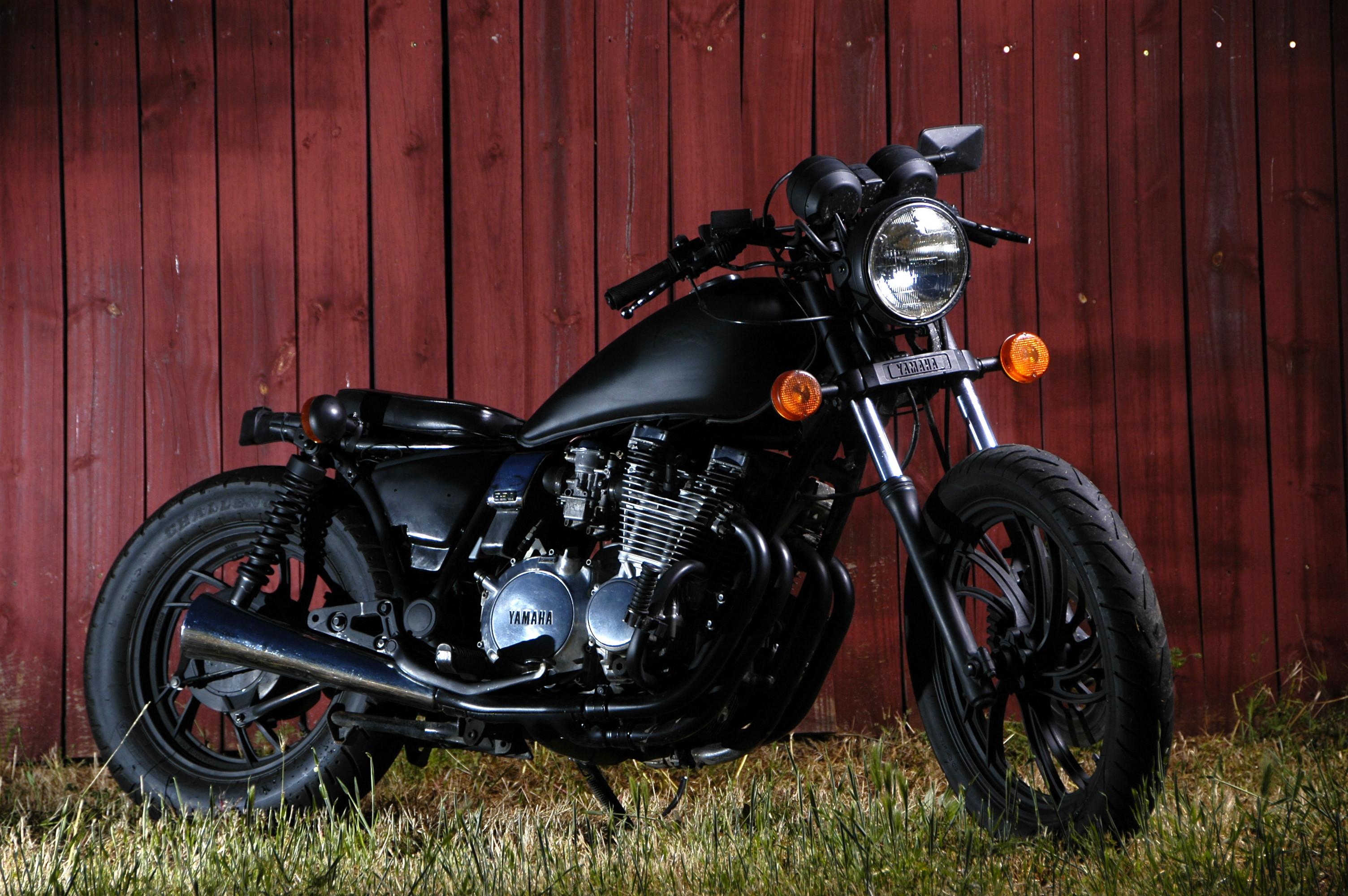 2400x1600 Motorbikes Harley Davidson Wallpaper HD Background