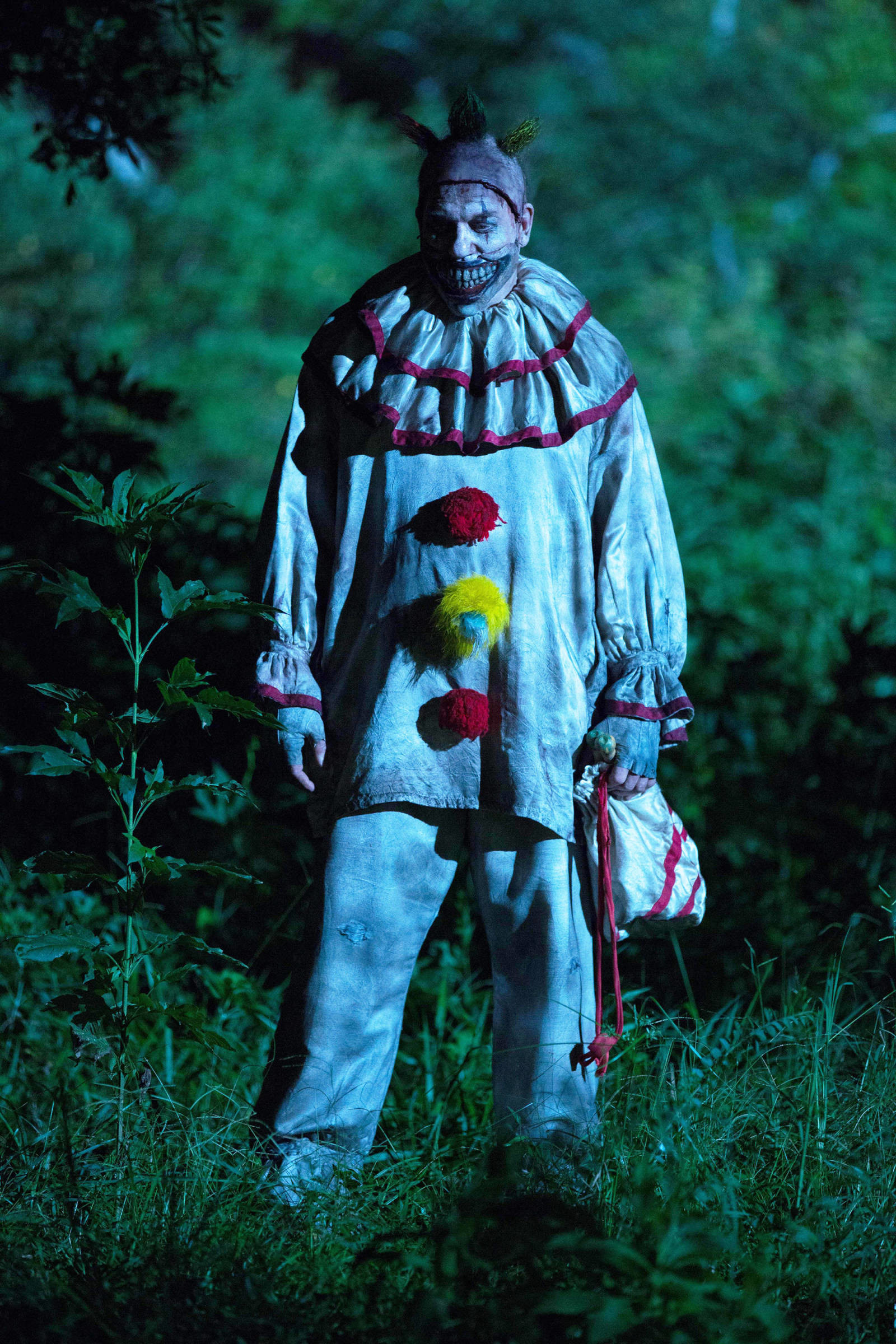 1600x2400 Everything You Need to Know About the Creepy Clown Epidemic That Began This  Summer