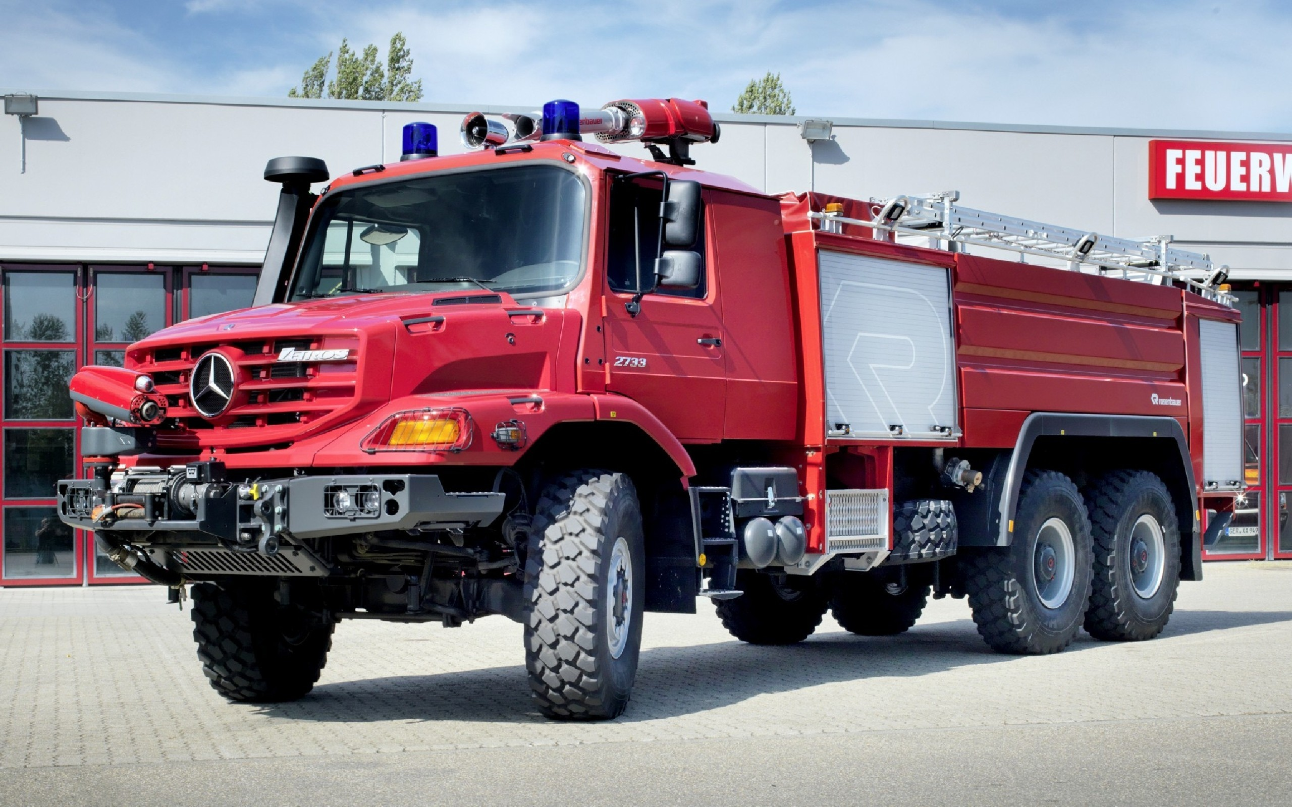 2560x1600 download-free-fire-truck-wallpapers-2560×1600-for-samsung-WTG20012349
