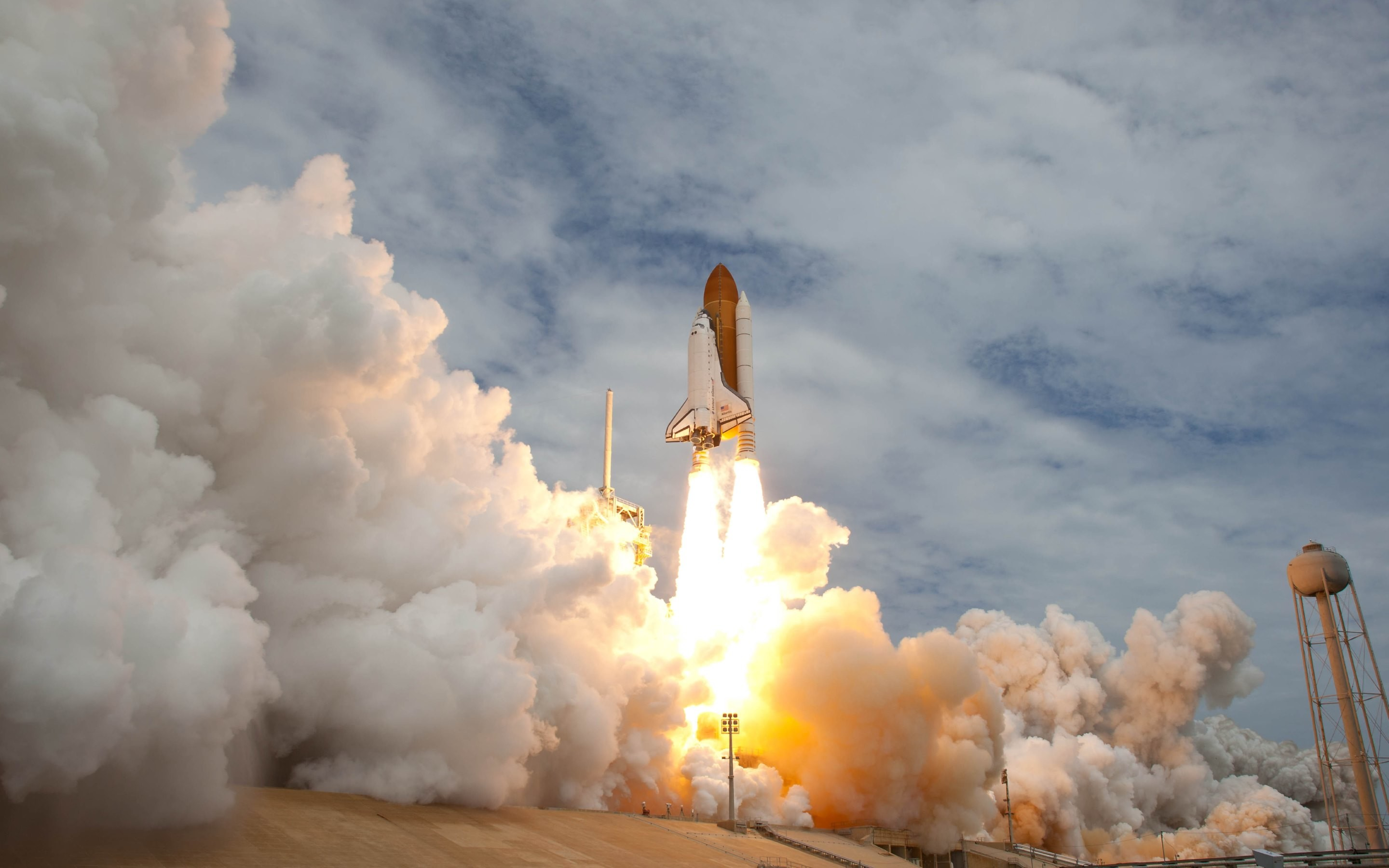 2880x1800 Atlantis, Endeavour and Discovery shuttles are all featured in these 4  pictures by courtesy of NASA · Check them to see who's your favorites and  download ...