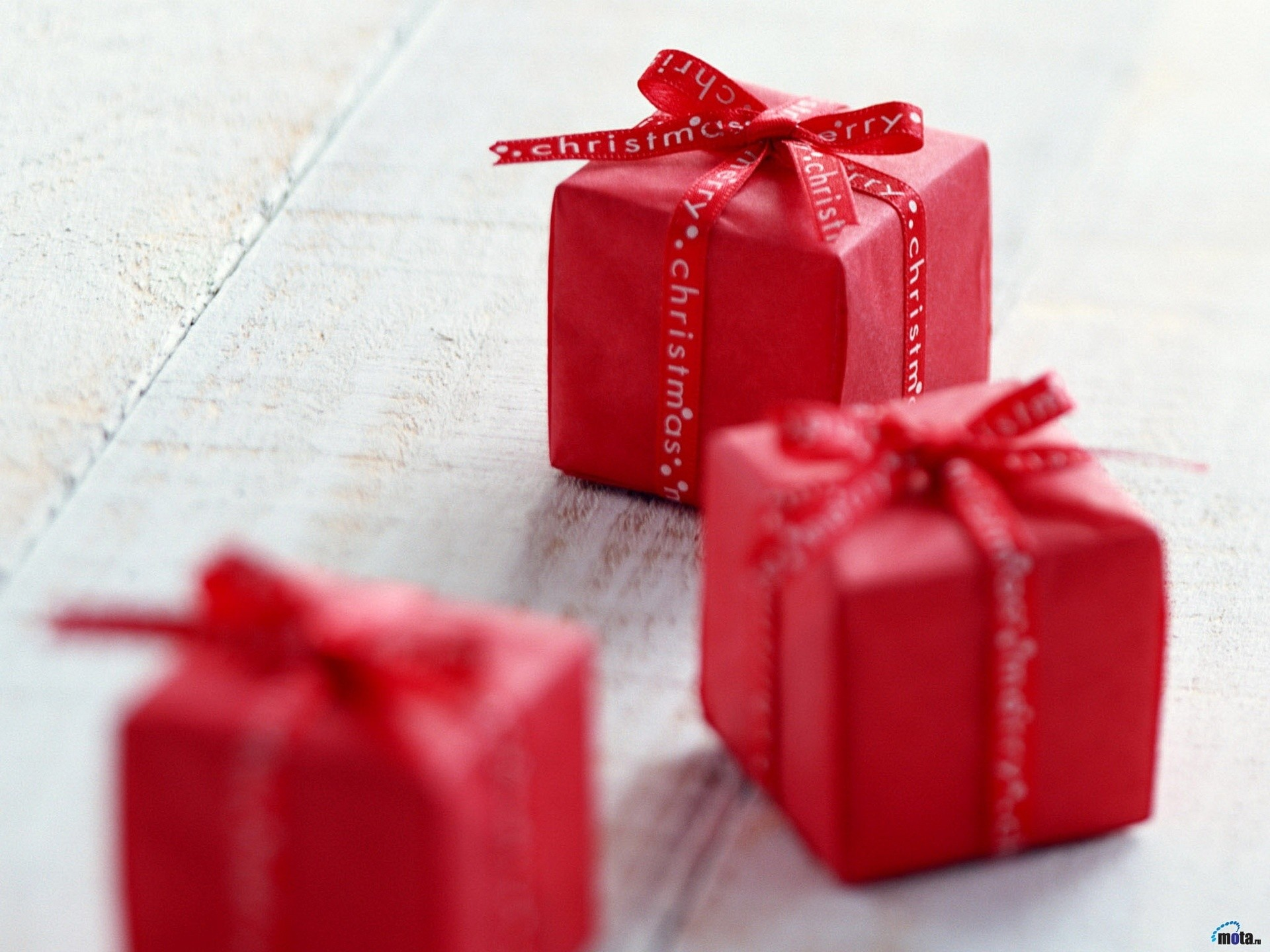 1920x1440 Small Christmas Gifts wallpapers and stock photos
