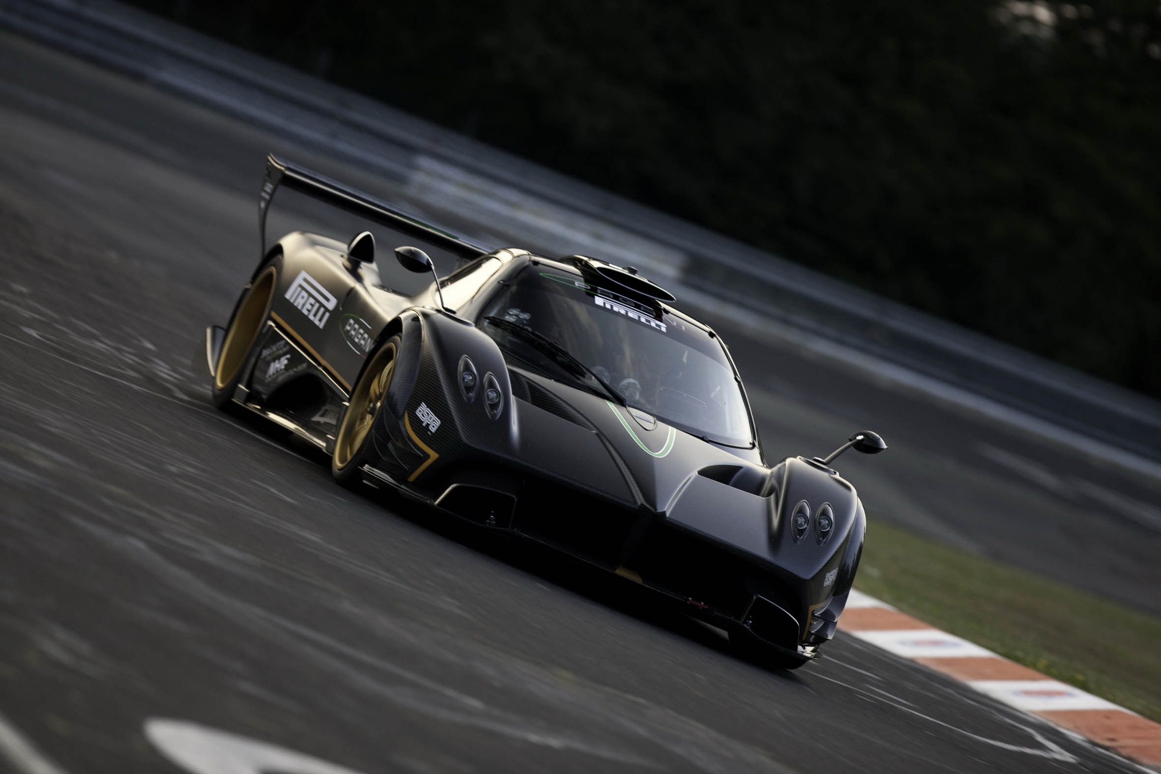 2362x1575 Images Of Pagani Zonda R Wallpaper Wallpaper