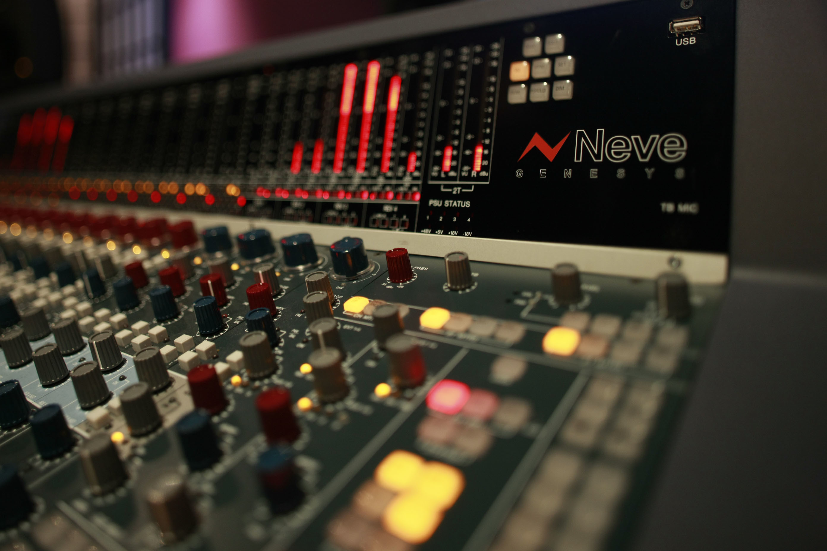 2784x1856 GC Pro Close up Engineer mixing console recording studio ~ Video #22414280  ...