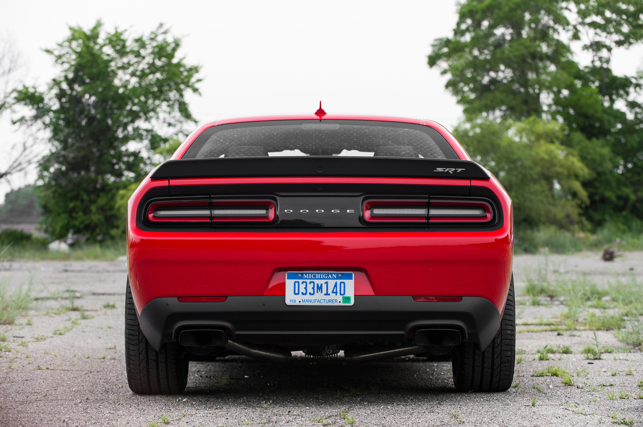 2048x1360 2015 Dodge Challenger Srt Hellcat Rear End
