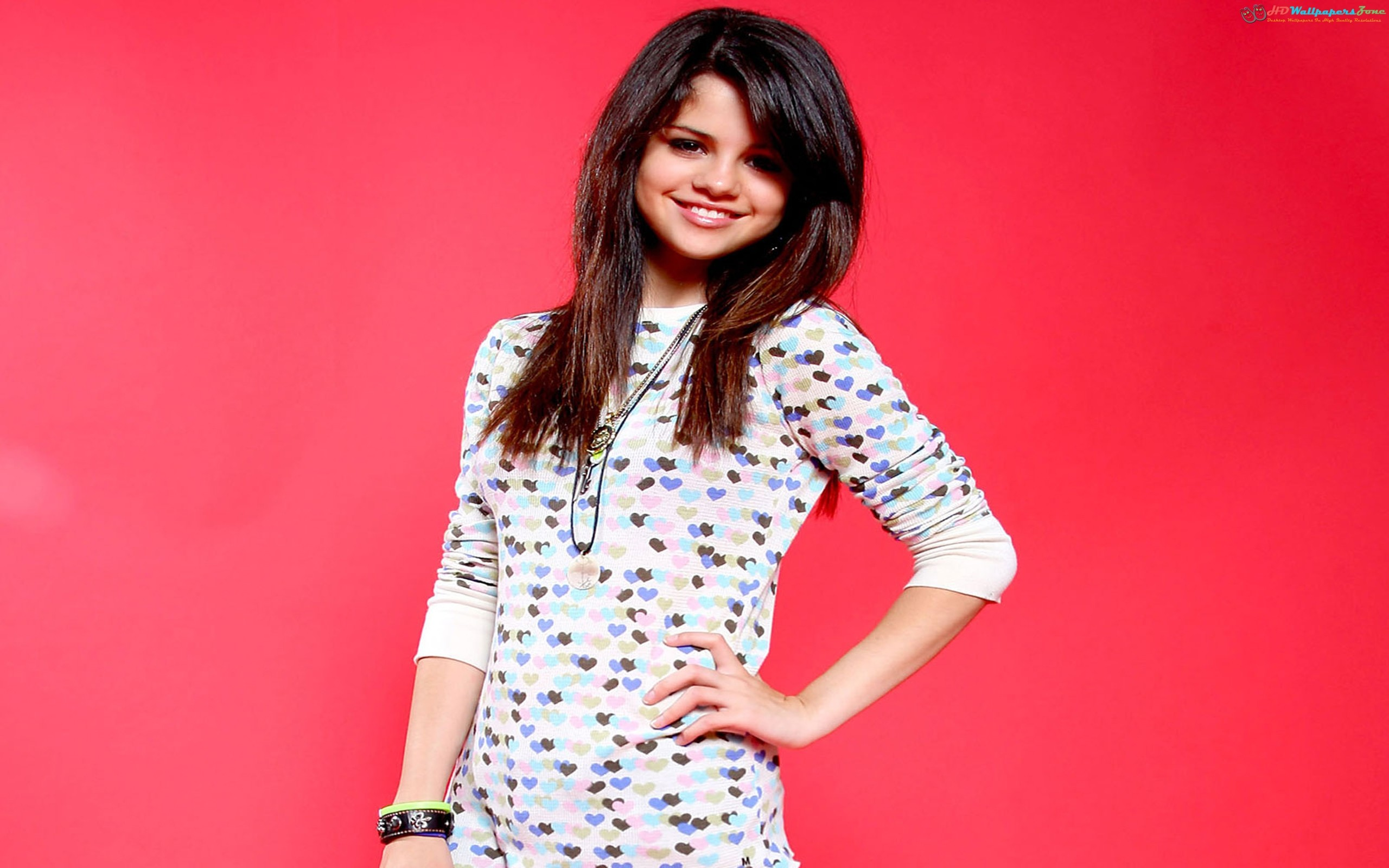 2560x1600 Selena Gomez Cute HD Wallpaper #1 only at http://www.hdwallpaperszone
