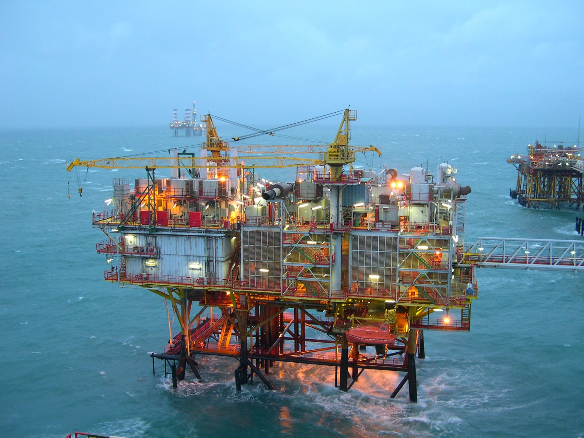 2048x1536 Diamond Offshore provides offshore contract drilling services to the energy  industry around the globe and is a leader in deepwater drilling.