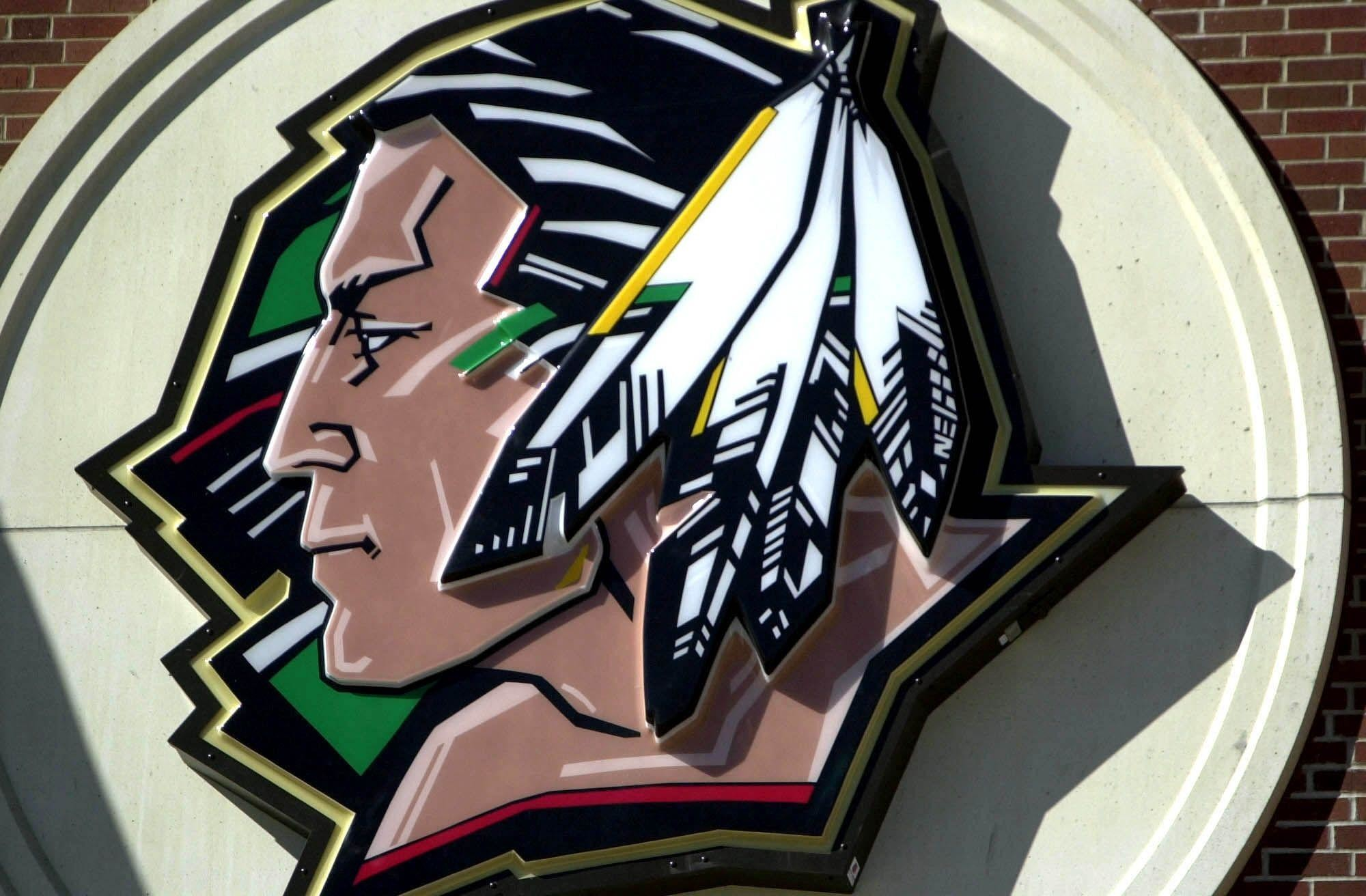 2000x1312 Fighting Sioux Logo - Viewing Gallery
