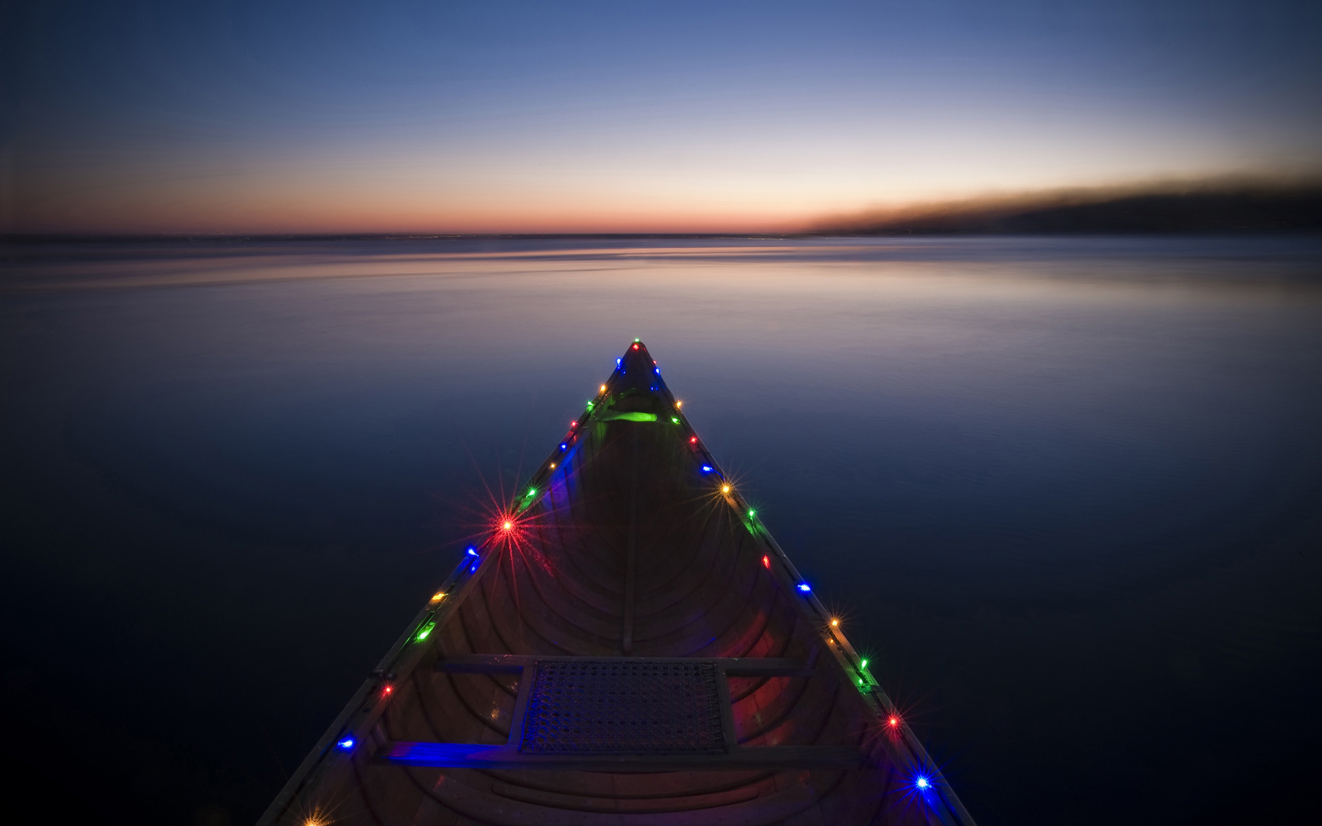 1920x1200 Boat Holiday Lights